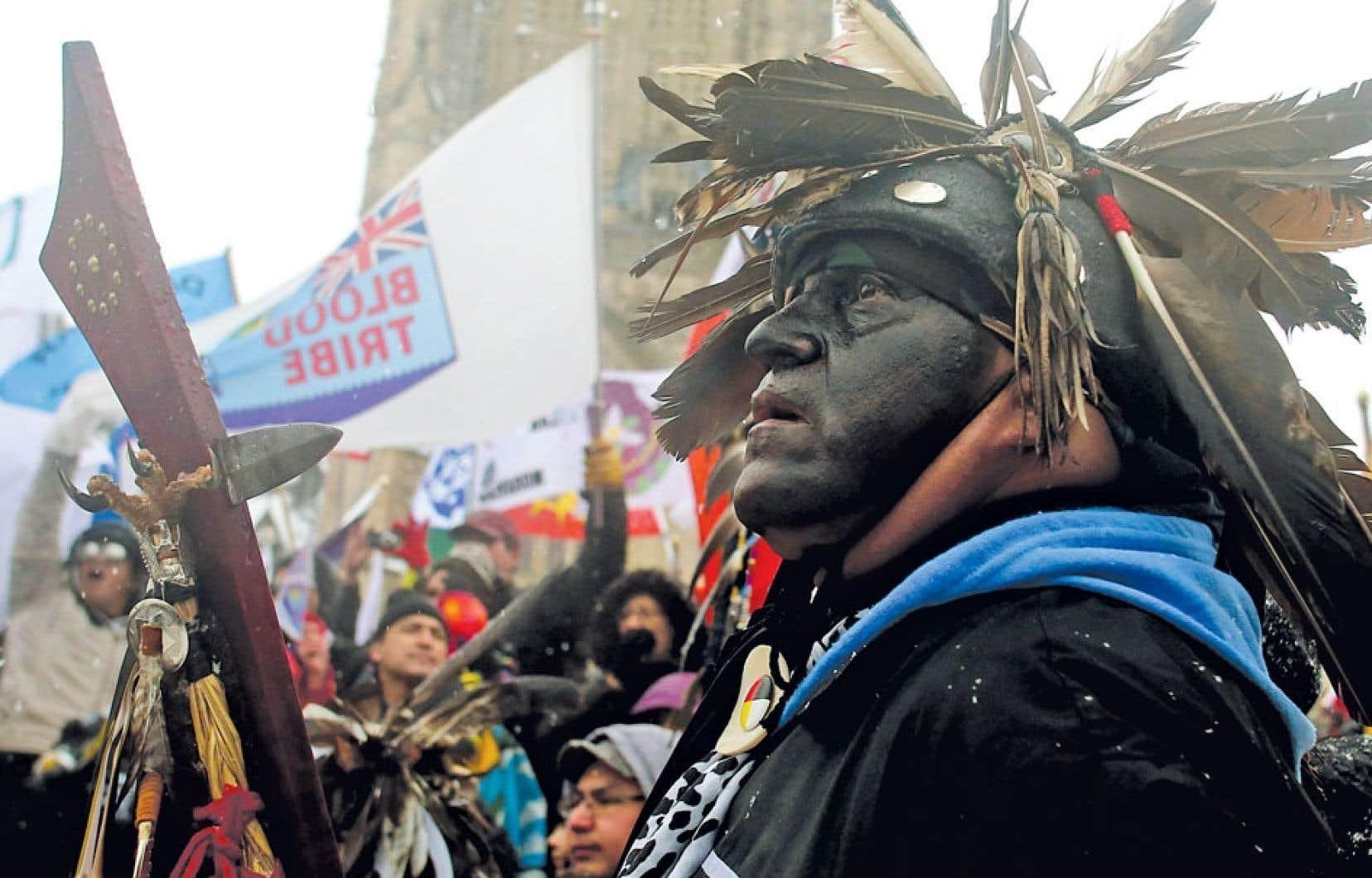 Les Premières Nations ont envahi la colline parlementaire vendredi, à Ottawa.
