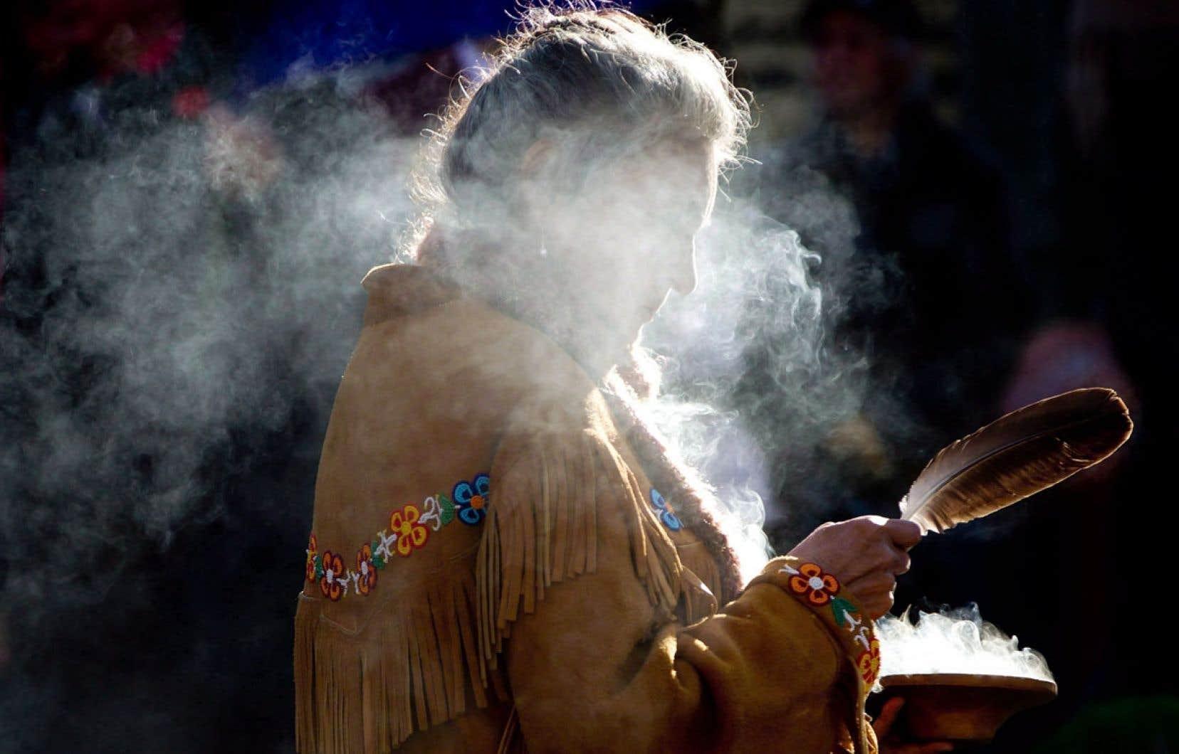 Le recensement 2006 indique que près de 28 000 Métis vivent au Québec. Cela représente 7 % des 390 000 Métis recensés au Canada, dont 90 % vivent dans les provinces de l'Ouest et en Ontario.