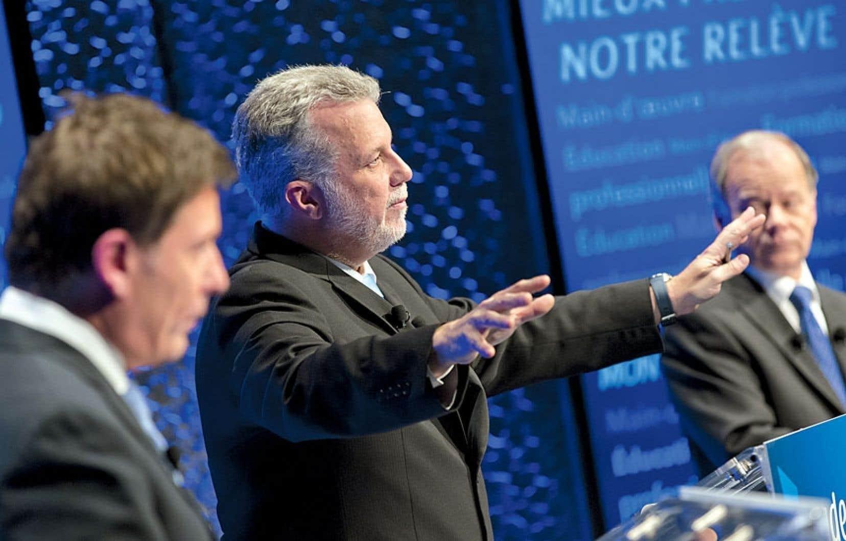 Tant Pierre Moreau que Raymond Bachand ont dirigé leurs principales attaques contre Philippe Couillard, qui est en avance dans les sondages.