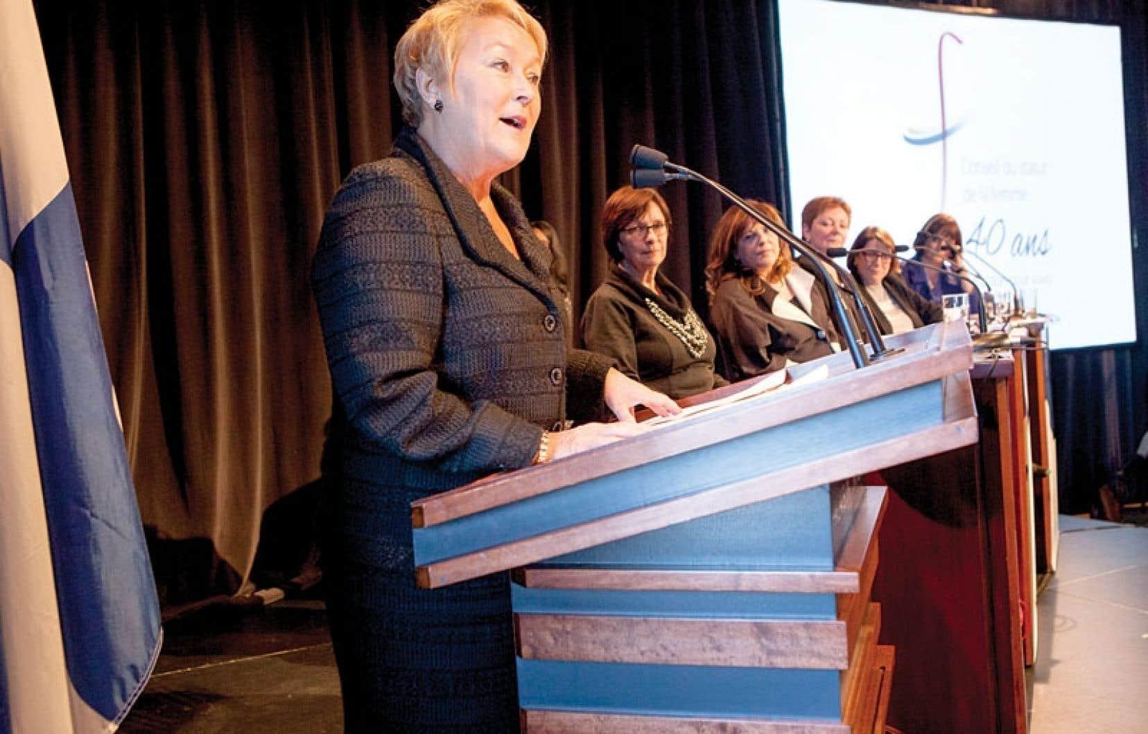« La situation des femmes au Québec se compare maintenant avantageusement à celle de bien des pays. Elle nous permet même d'exprimer notre solidarité à l'endroit de femmes d'ailleurs », a déclaré Pauline Marois mercredi.