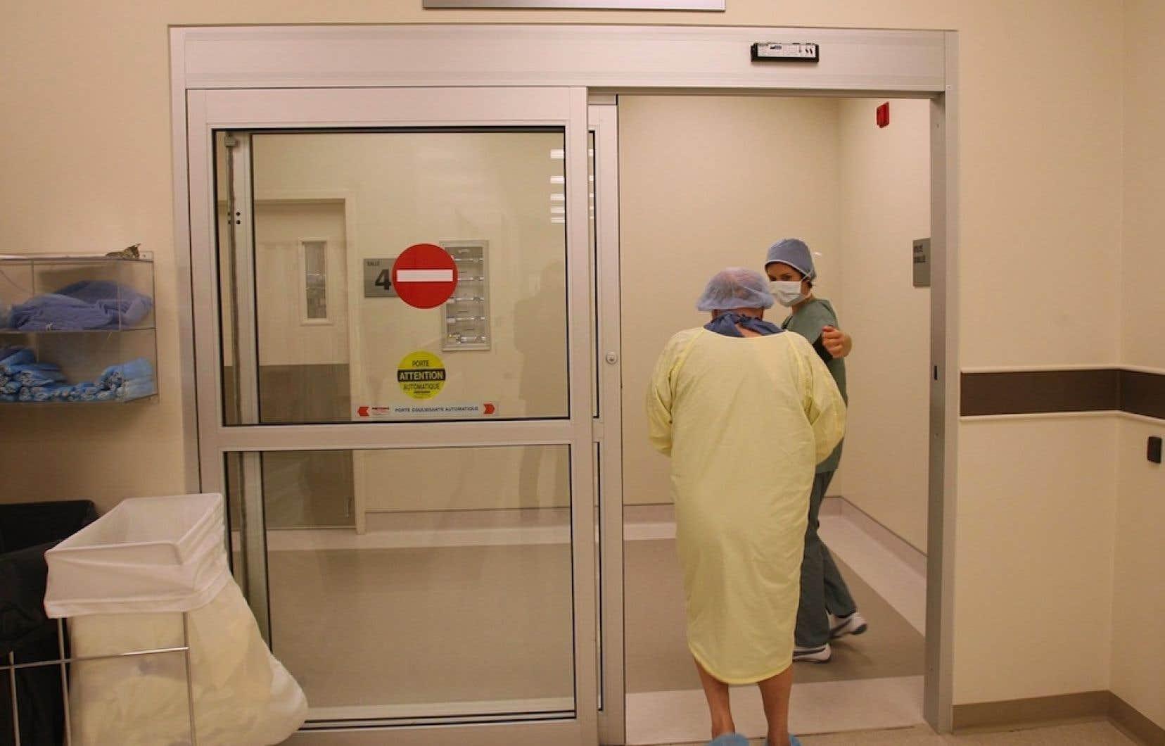 Mais où se feront donc ces 2000 chirurgies excédentaires que l'hôpital du Sacré-Coeur refile à Rockland MD depuis 2008? «L'établissement va réintégrer l'ensemble des chirurgies dans ses installations», a répondu le ministre Réjean Hébert mercredi soir.