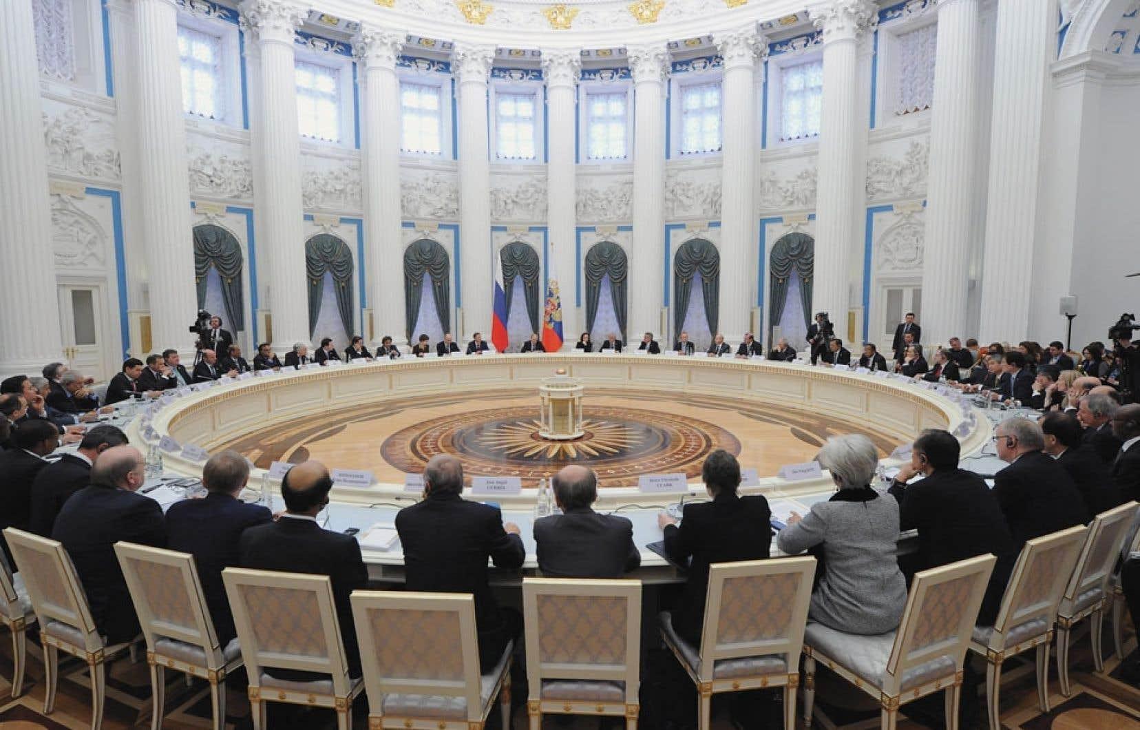 Vladimir Poutine a invité le G20 à mettre l'économie mondiale «sur une trajectoire ferme de croissance».