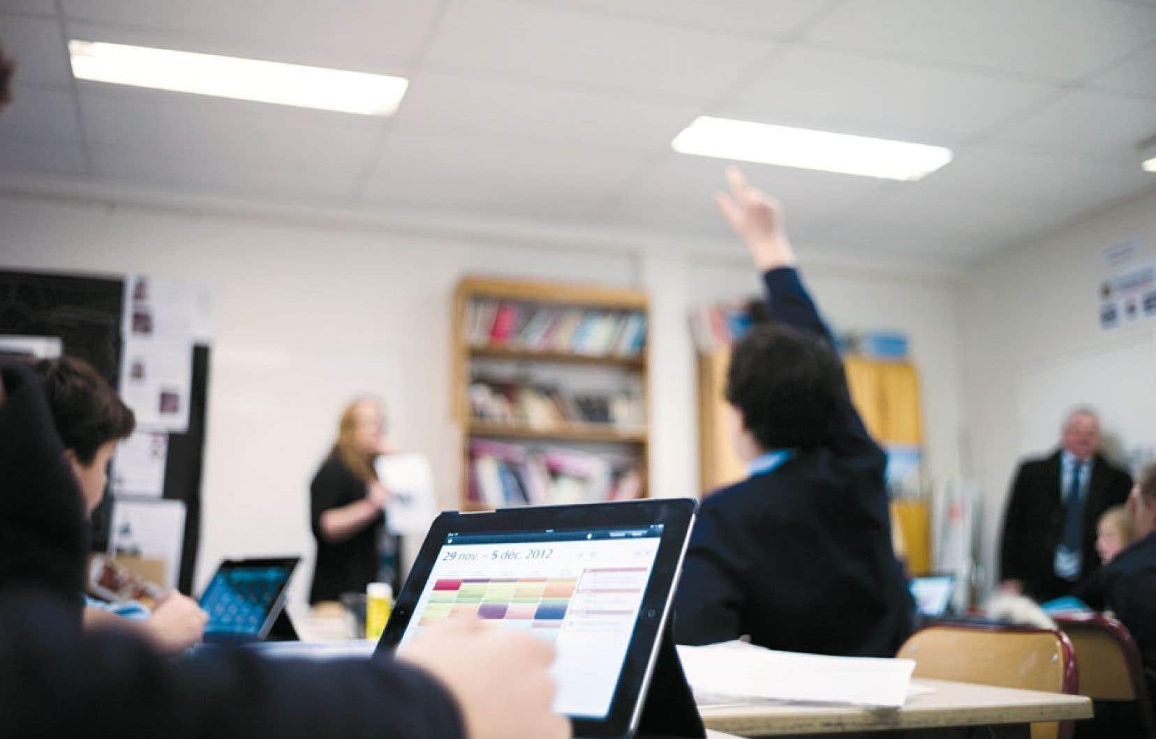 L'utilisation d'ordinateurs et autres technologies informatiques à des fins éducatives gagnent en popularité dans les pays occidentaux.