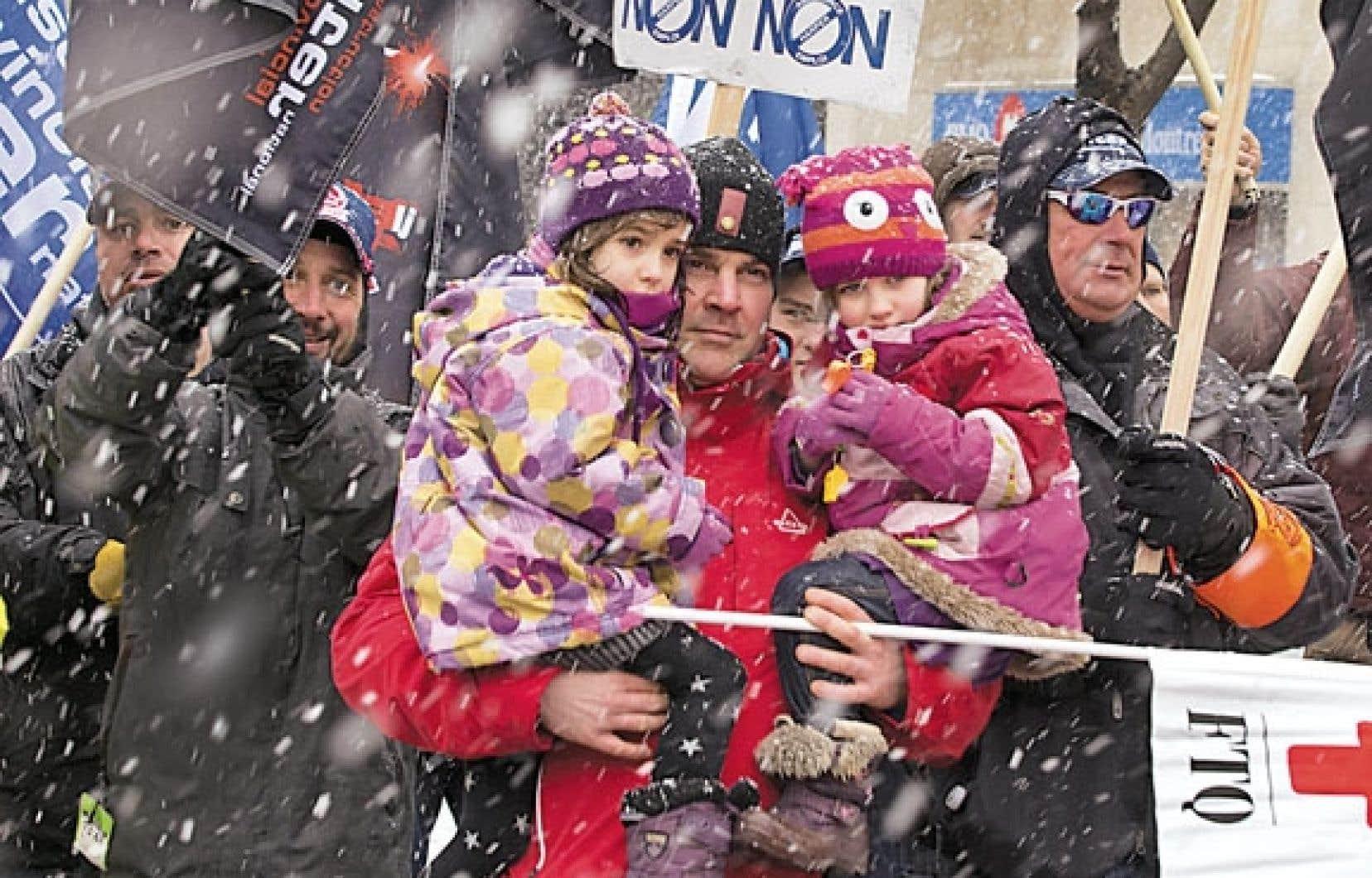 <div> Manifestation contre la réforme du système d'assurance-emploi, à Montréal samedi.</div>