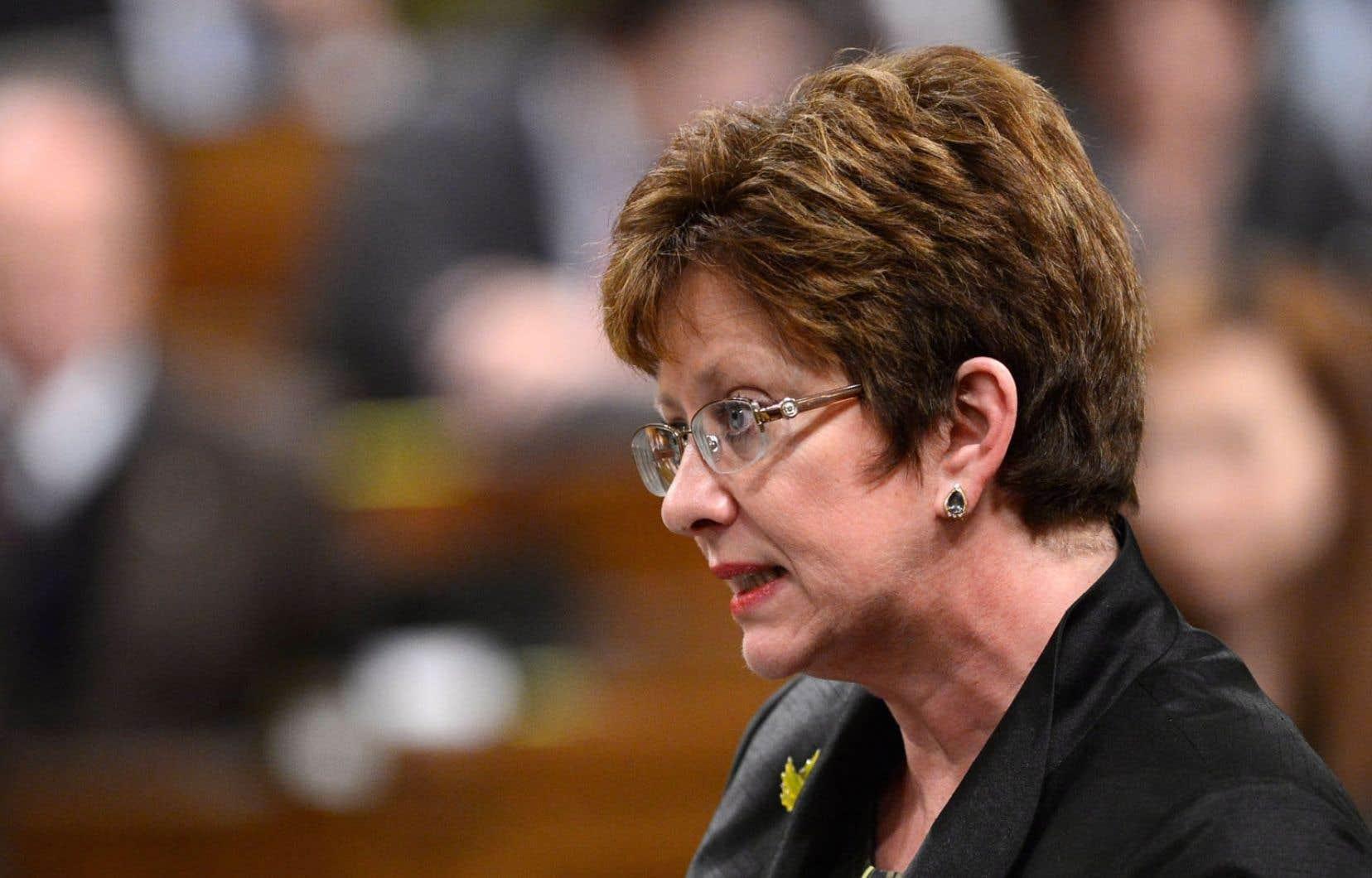 En réponse aux inquiétudes de Mme Maltais, Mme Finley lui a répliqué qu'elle comprenait mal la réforme de l'assurance-emploi.