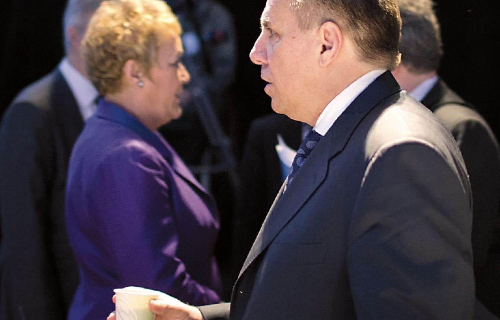 Pauline Marois et François Legault se sont croisés au Sommet sur l'enseignement supérieur.