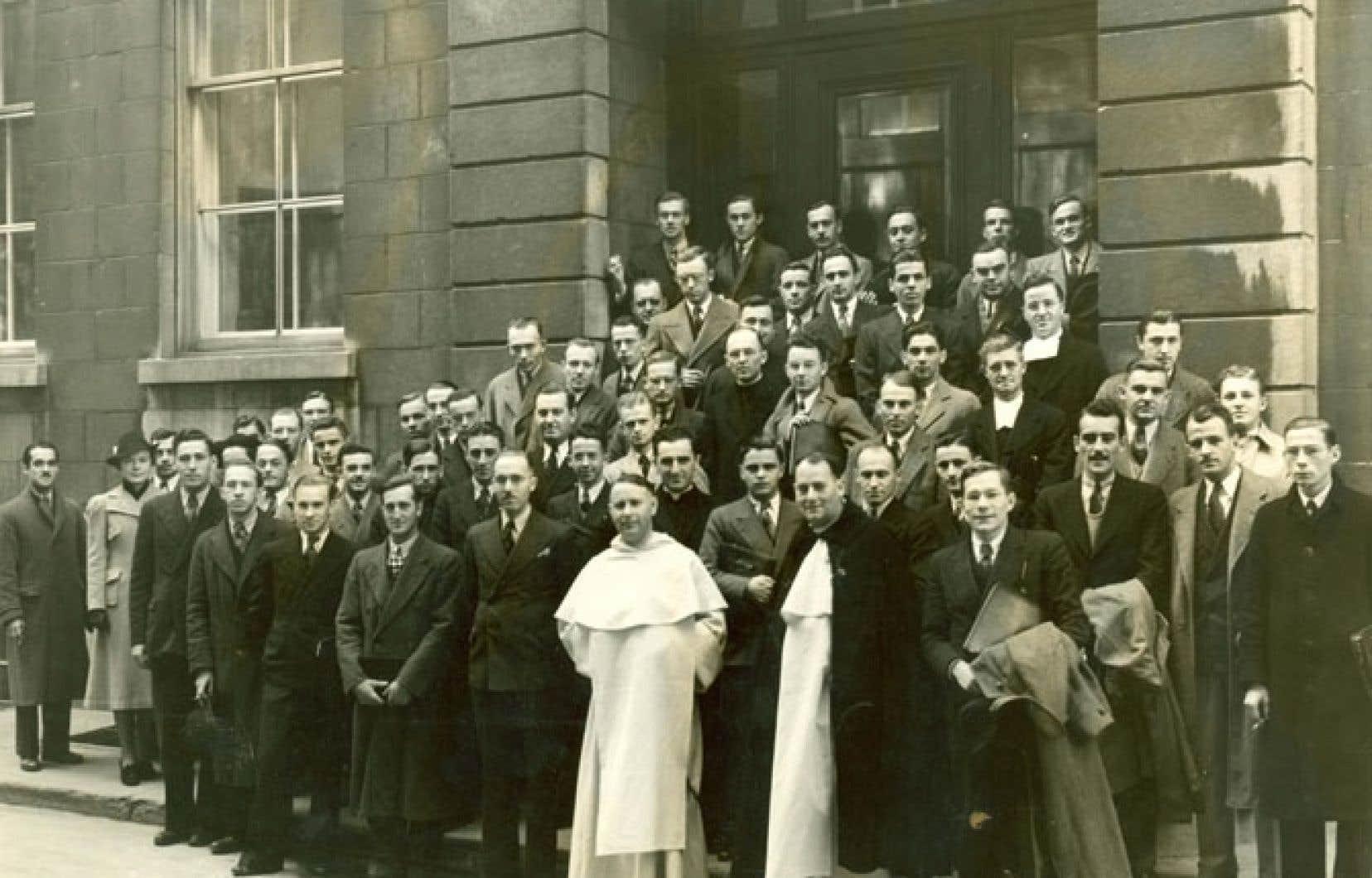 La toute première cohorte de l'École des sciences sociales, politiques et économiques, en 1938