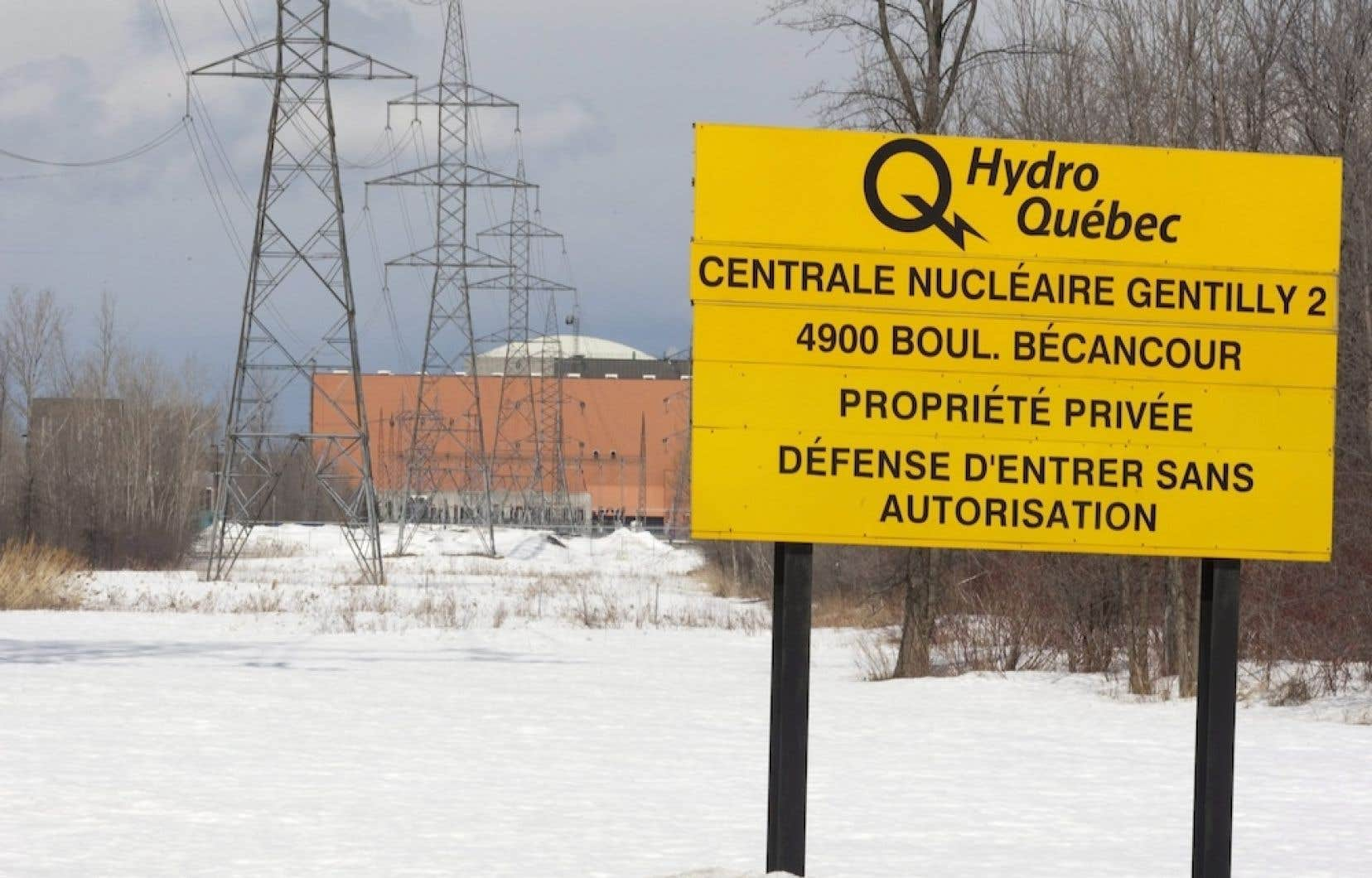 En commission parlementaire sur le déclassement de la centrale nucléaire de Bécancour, en janvier dernier, le p.-d.g. d'Hydro-Québec, Thierry Vandal, avait répété que le gouvernement avait toujours été tenu informé des développements concernant le dossier de Gentilly-2.