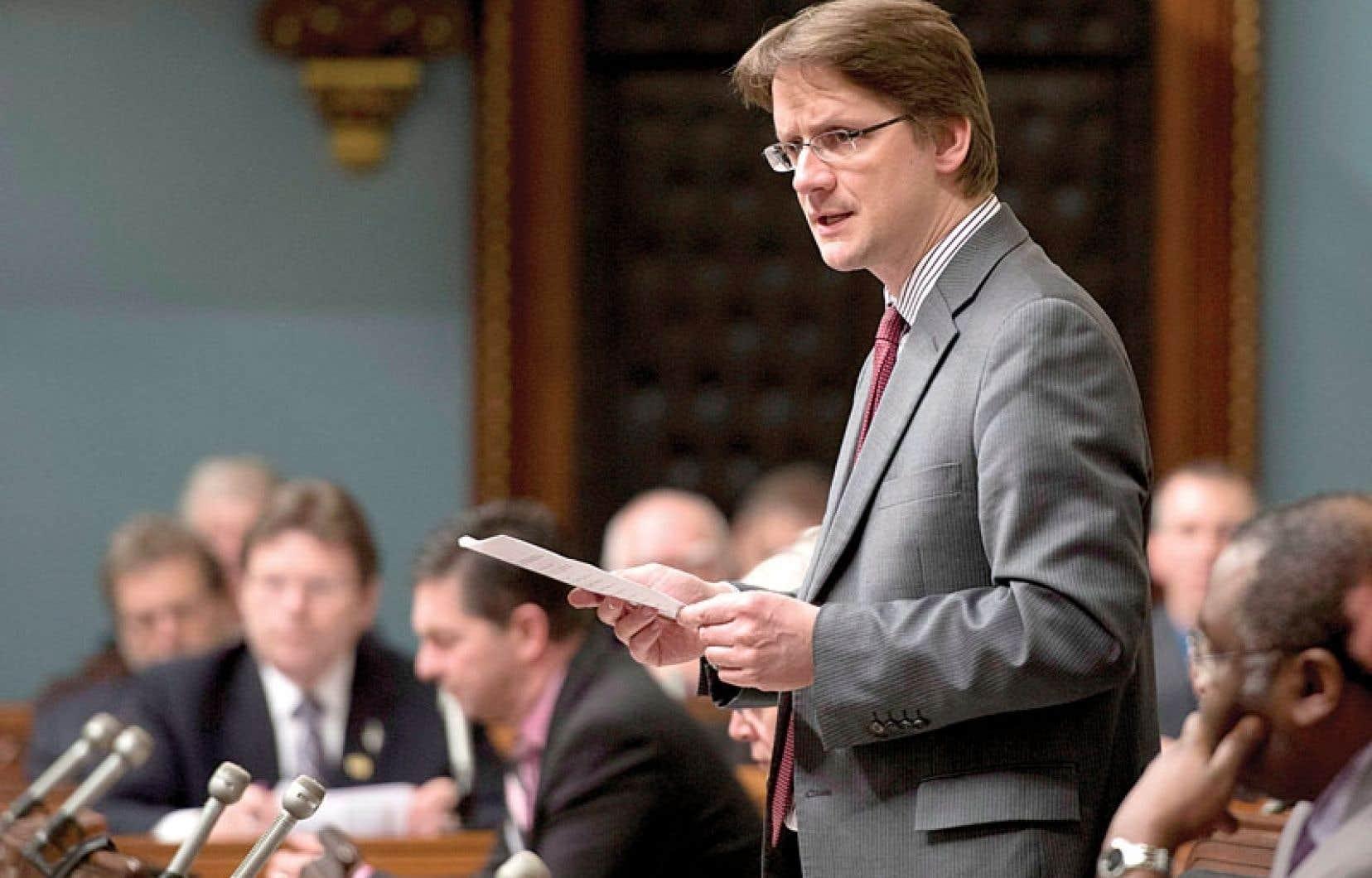 Même si la grande réforme du financement des partis municipaux viendra plus tard, le ministre Sylvain Gaudreault voulait agir au moins en partie avant les élections municipales du 1er novembre.