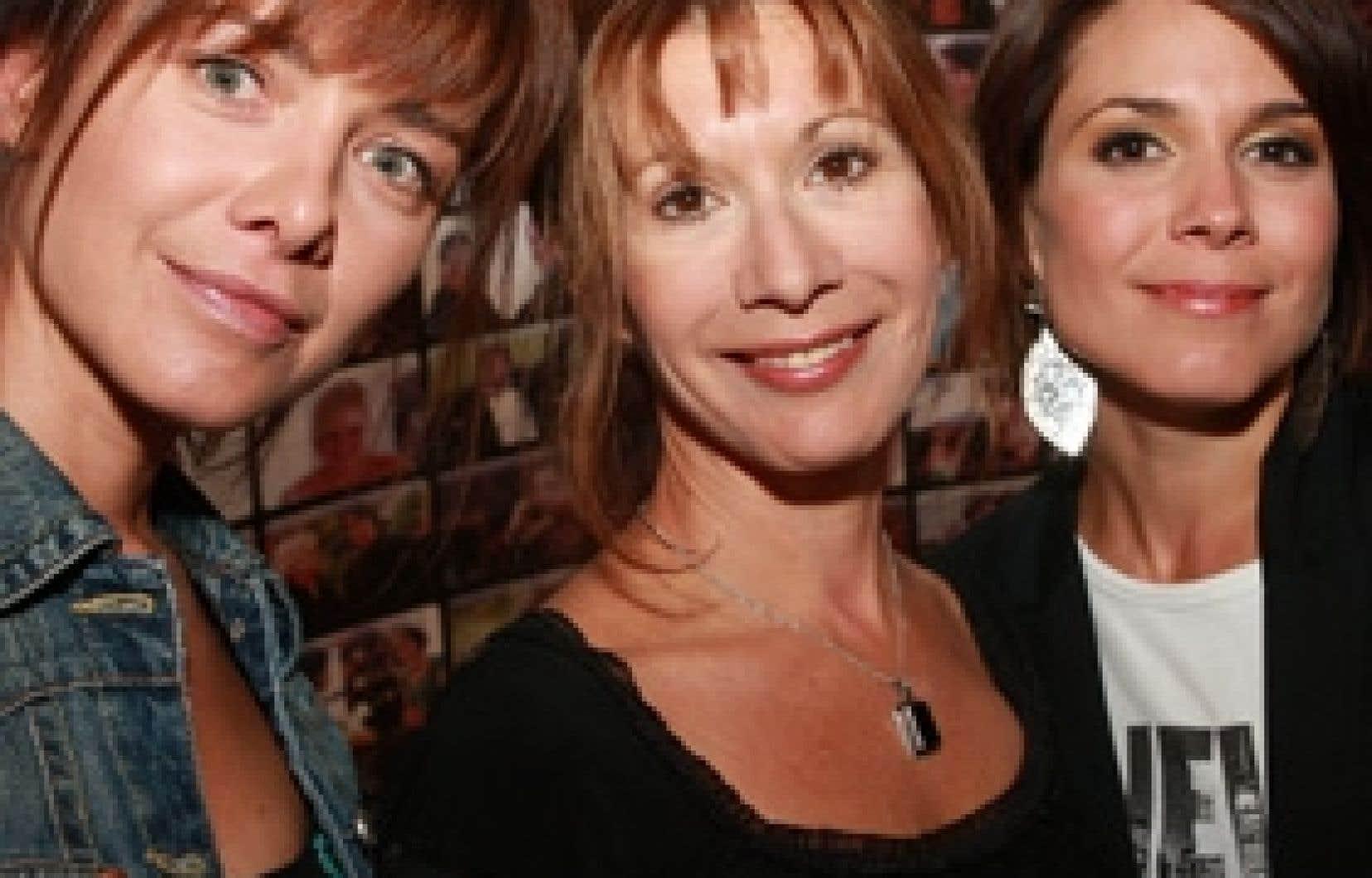 Les Soeurs Elliot, d'Estelle Bouchard, est une série très attendue qui met en scène trois soeurs, interprétées par trois fortes comédiennes: Isabel Richer, Sylvie Léonard et Julie Perreault.