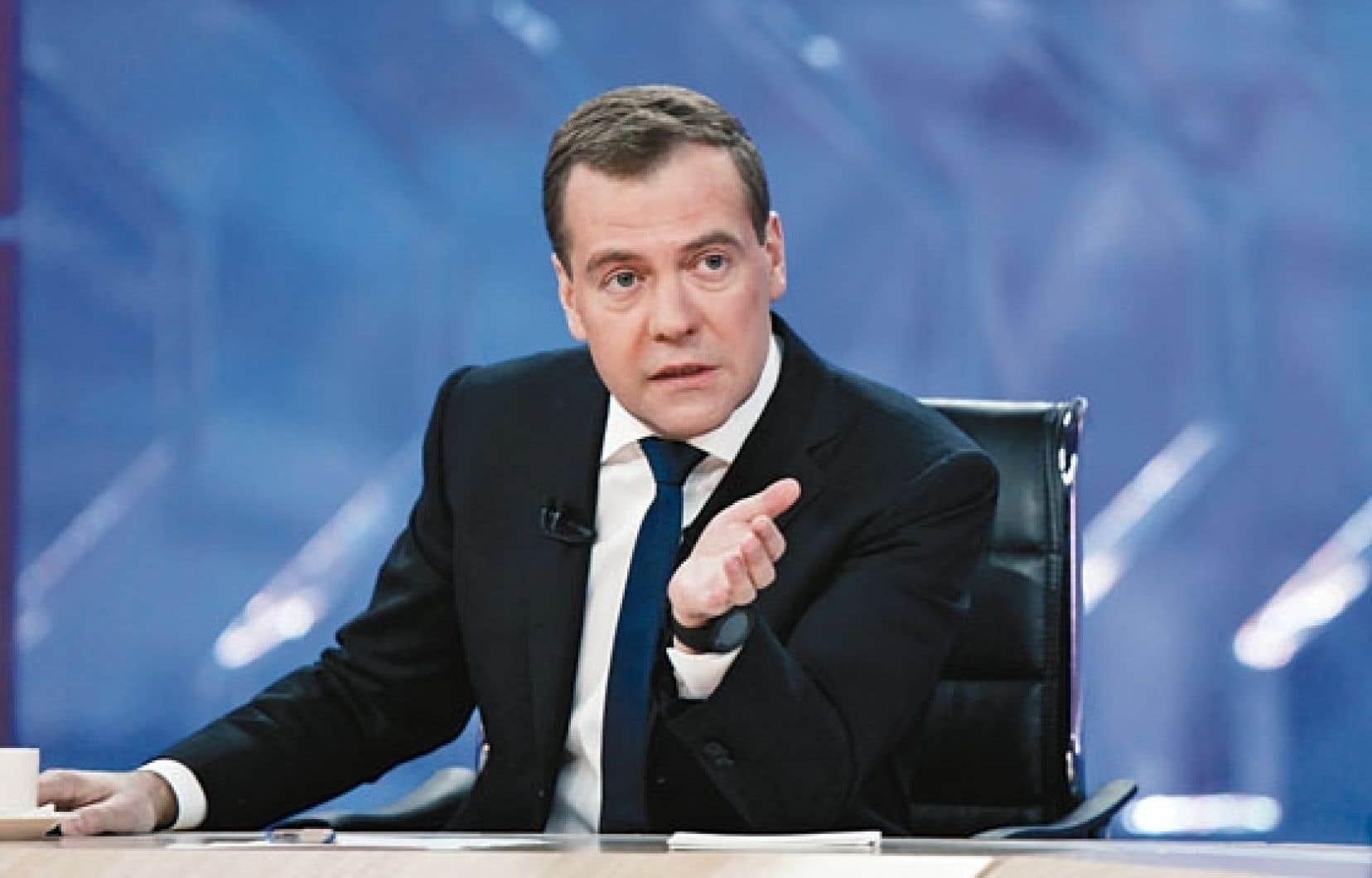 Dmitri Medvedev s'est irrité d'avoir été exclu de l'élaboration du premier plan de sauvetage et a mis en jeu les relations de la Russie avec l'UE.