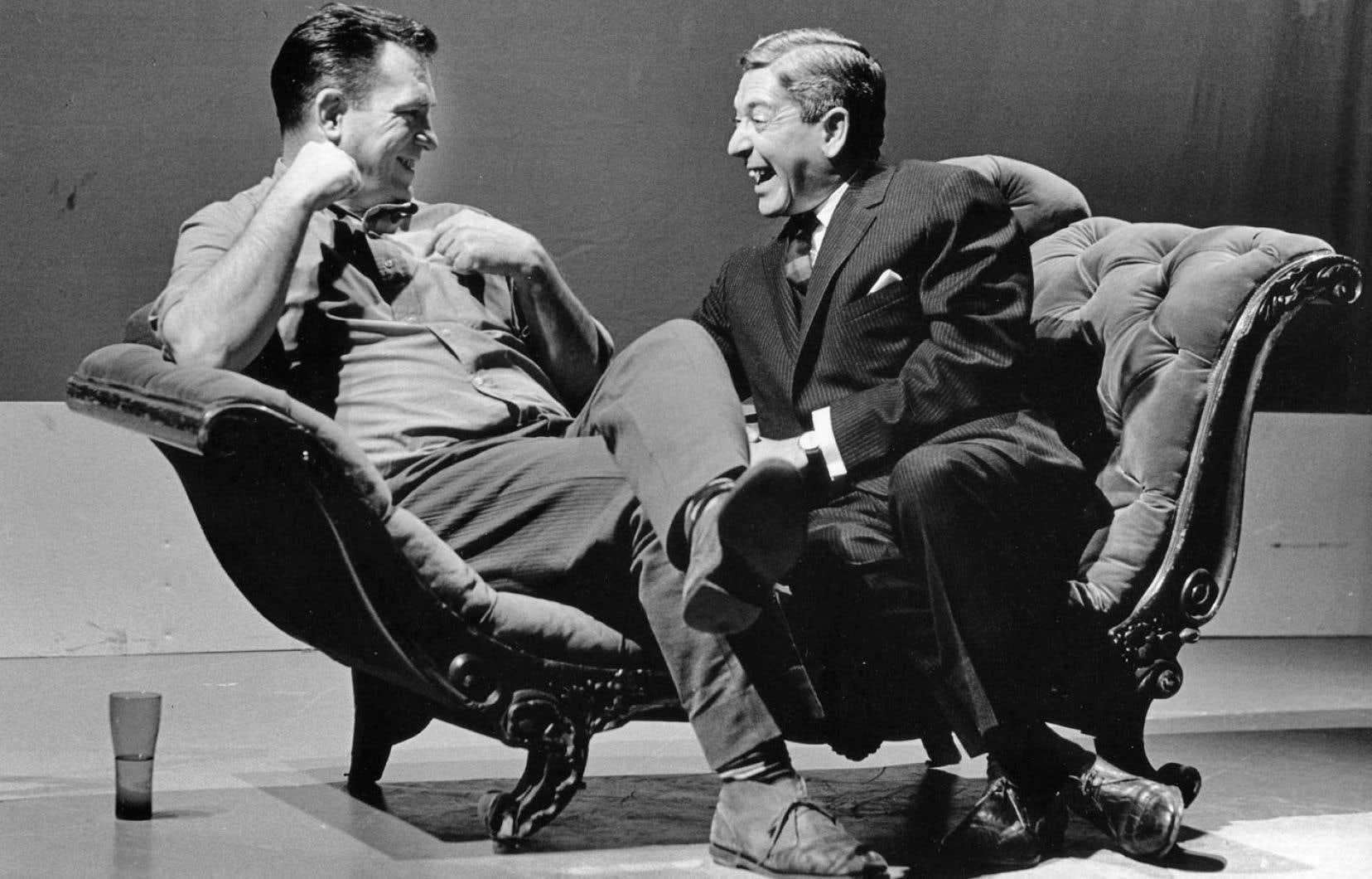 Parmi les documents archivés, on trouve des clips du Sel de la semaine, une émission dans laquelle Fernand Séguin menait de grandes entrevues (ici avec Jack Kerouac), à l'antenne de 1965 à 1970.