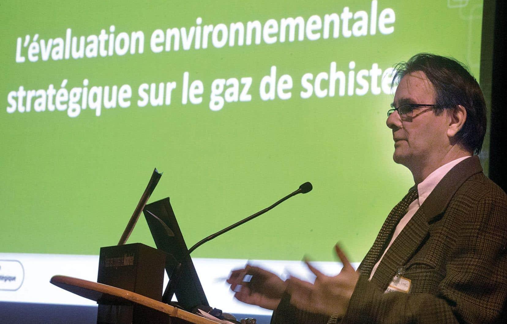 Le président du Comité de l'évaluation environnementale stratégique sur le gaz de schiste, Robert Joly, croit que le MNR pourra utiliser les résultats du rapport de son comité même s'il ne sera dévoilé qu'au moment de l'élaboration d'un projet de loi pour encadrer l'industrie pétrolière.