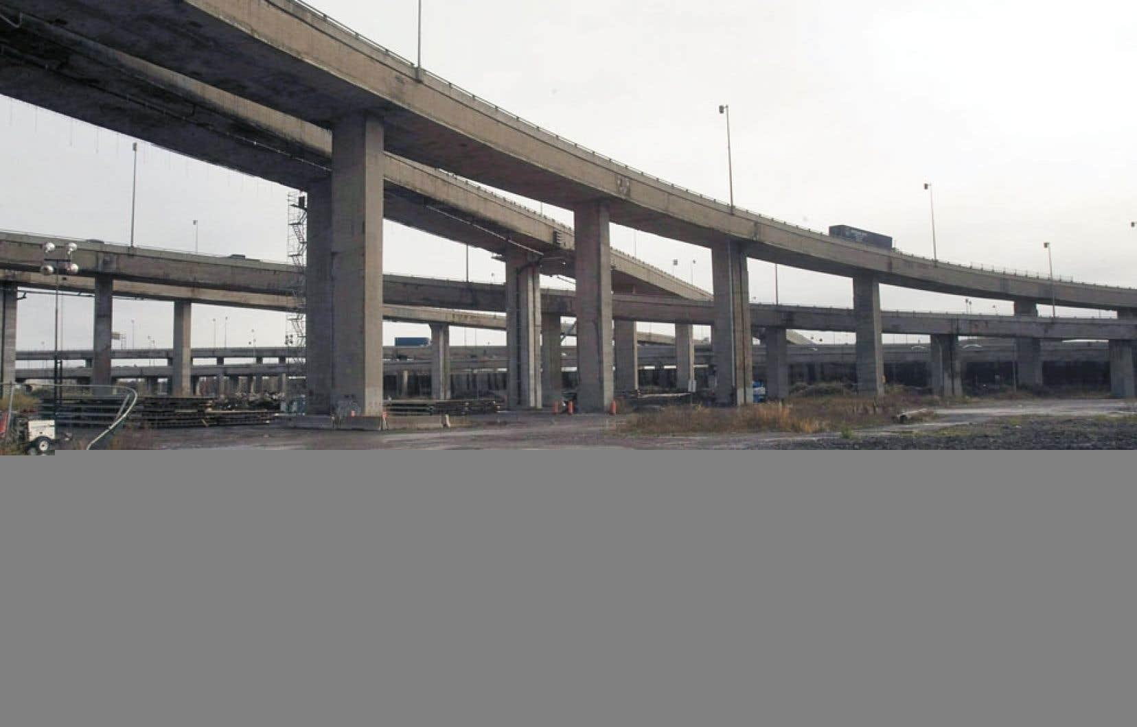 Québec dit avoir fait le maximum pour bonifier le projet d'échangeur Turcot.