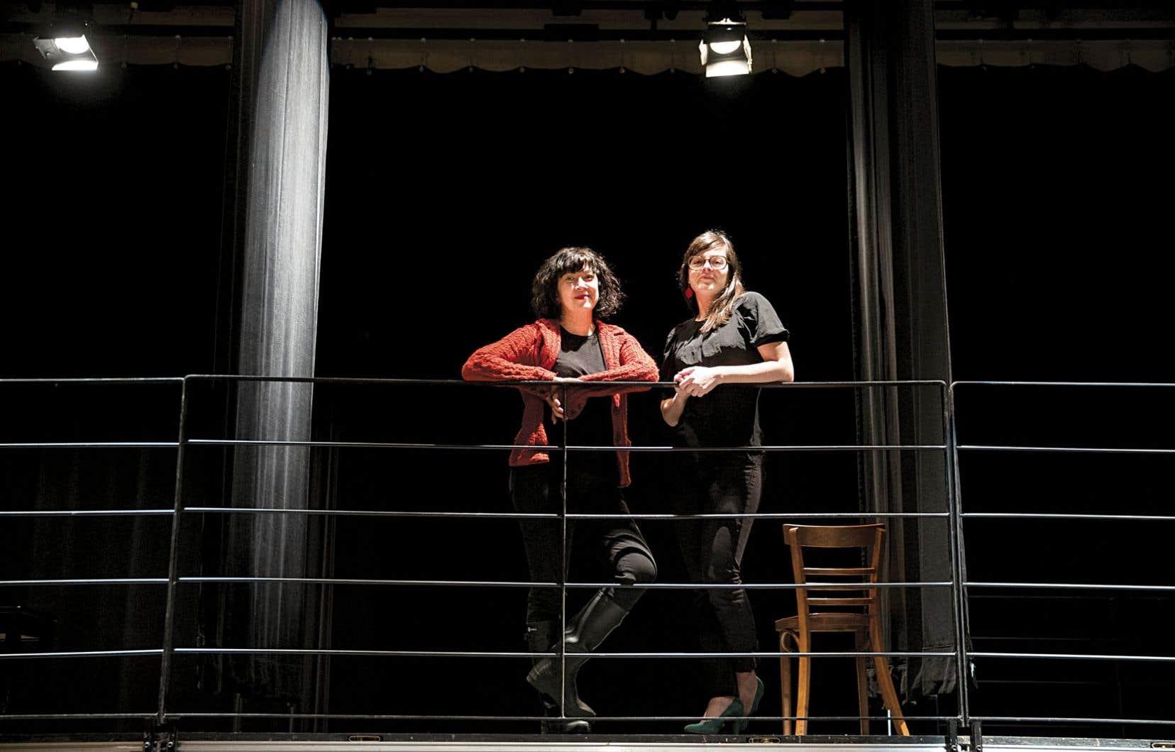 C'est Marie Brassard que Sophie Cadieux a choisie pour mettre en scène ce spectacle pour sept actrices intitulé La fureur de ce que je pense.