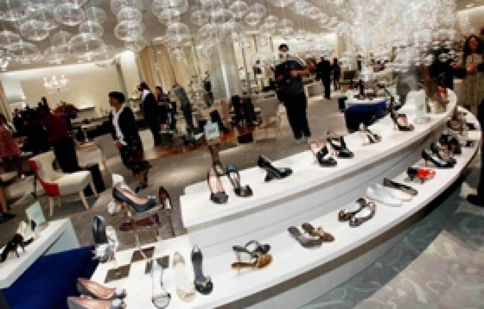 Saks a consacré tout son huitième étage aux chaussures de luxe.