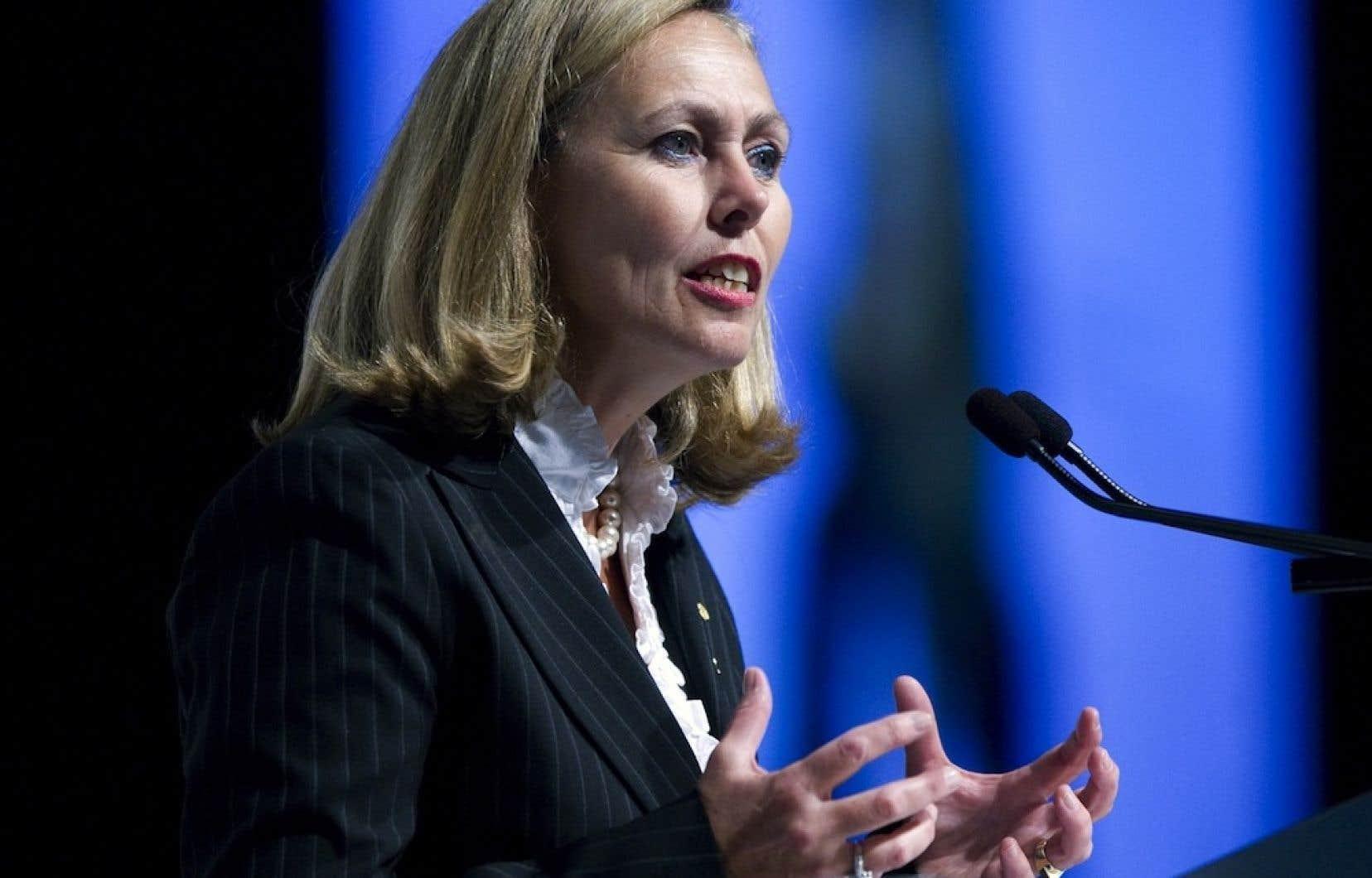 Monique Leroux a obtenu une rémunération de 3,34 millions de dollars en 2012, soit 30 % de celle de ses confrères à la tête des grandes banques canadiennes.