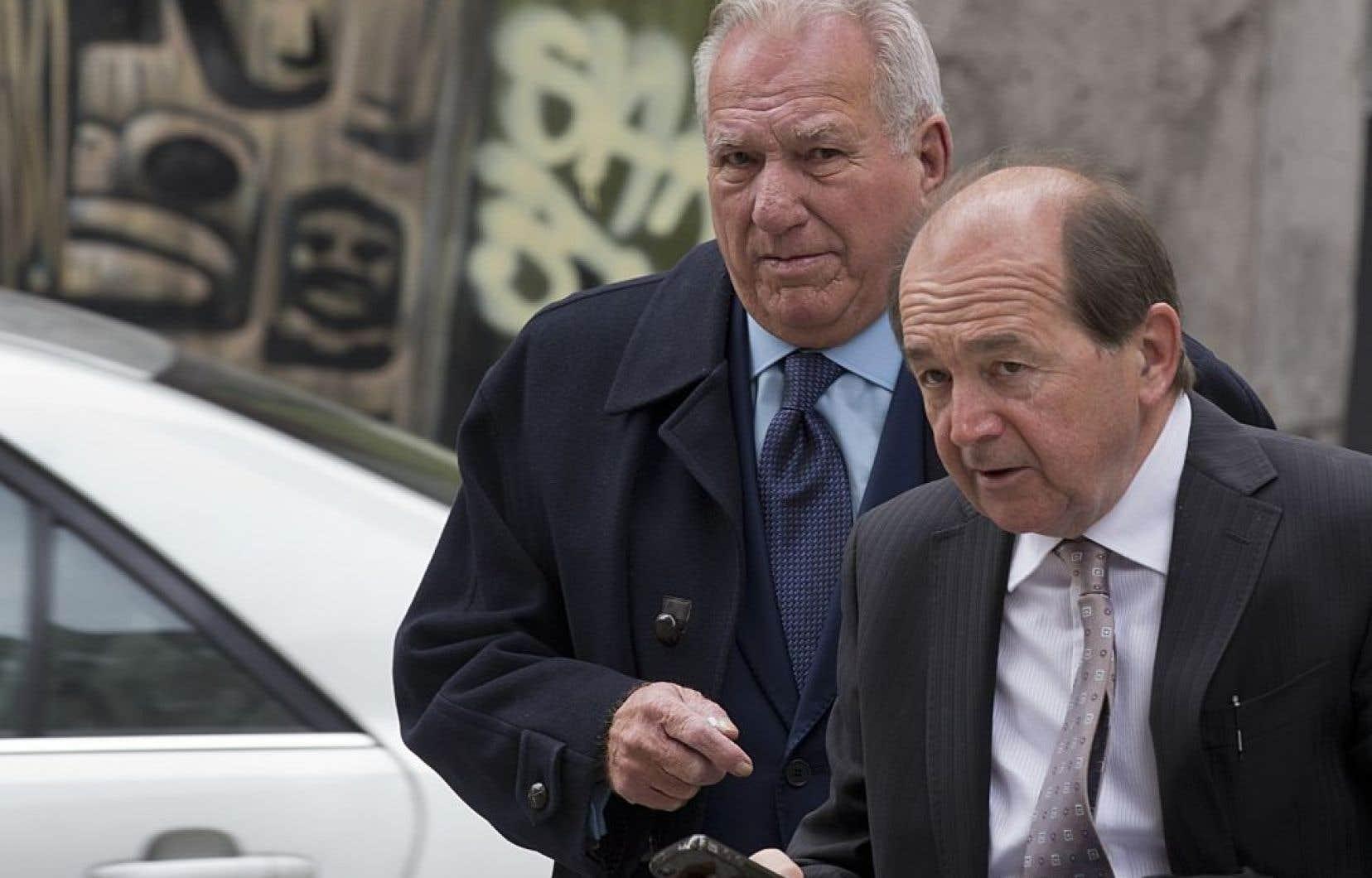Bernard Trépanier (à gauche) a lui-même reconnu qu'il avait tenté de répartir les contrats entre les firmes de génie-conseil qui contribuaient au financement d'Union Montréal, avant d'être écarté par Michel Lalonde et Rosaire Sauriol, l'ex-vice-président de Dessau, en raison de sa maladresse.