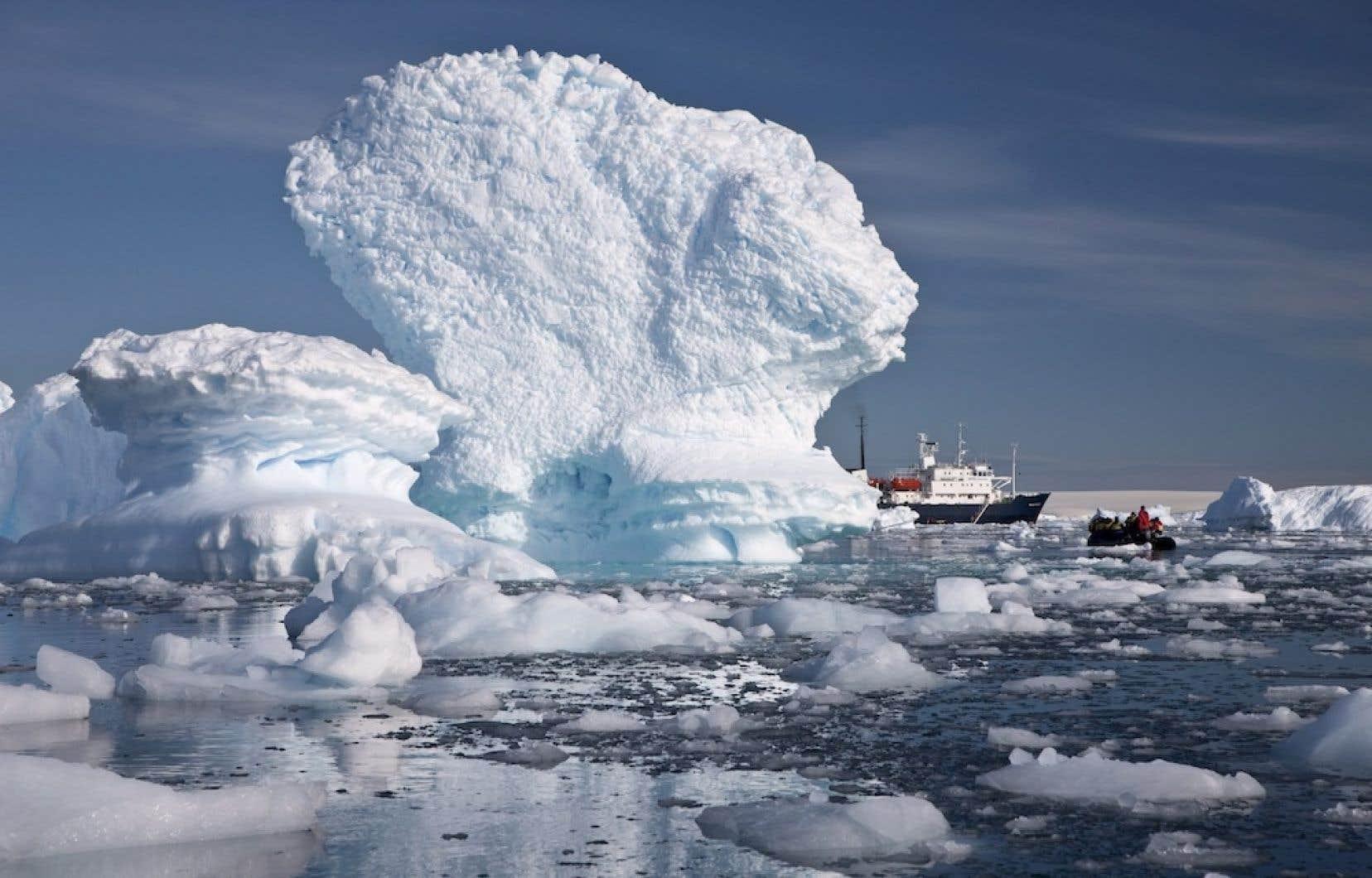 Les températures ont régulièrement augmenté depuis des centaines d'années en Antarctique, mais la fonte ne s'est intensifiée que vers la moitié du 20e siècle.