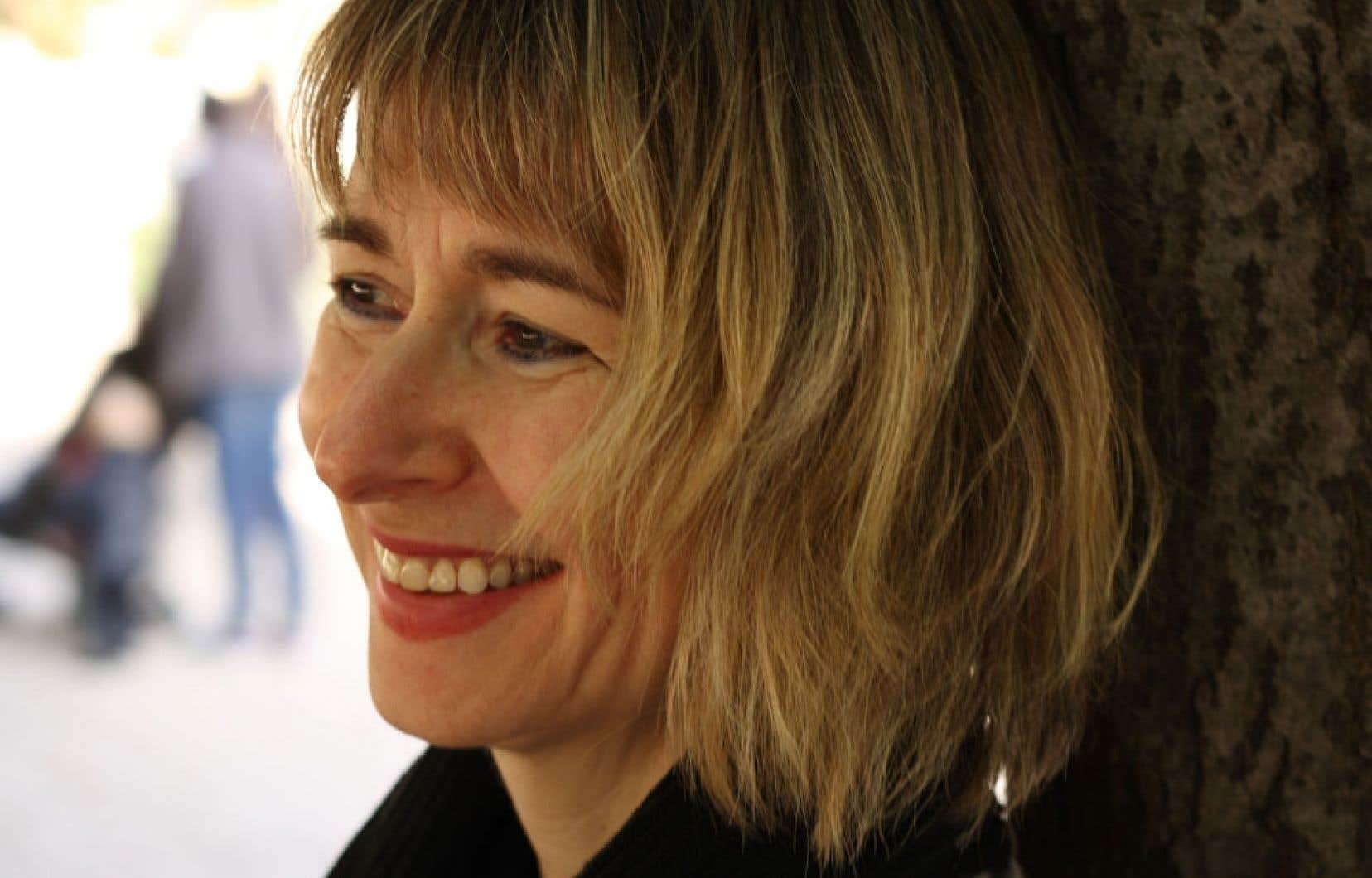 Lori Saint-Martin publie son premier roman, Les portes closes, après deux recueils de nouvelles.