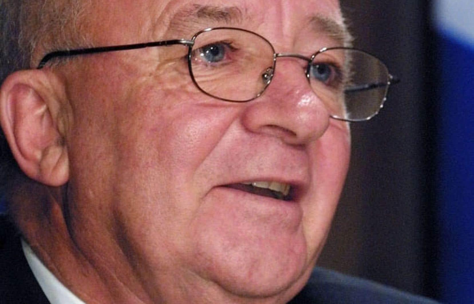 Dans un bref communiqué émis en soirée, l'ancien ministre péquiste des Transports,Guy Chevrette, a nié toutes les allégations formulées par Gilles Cloutier.