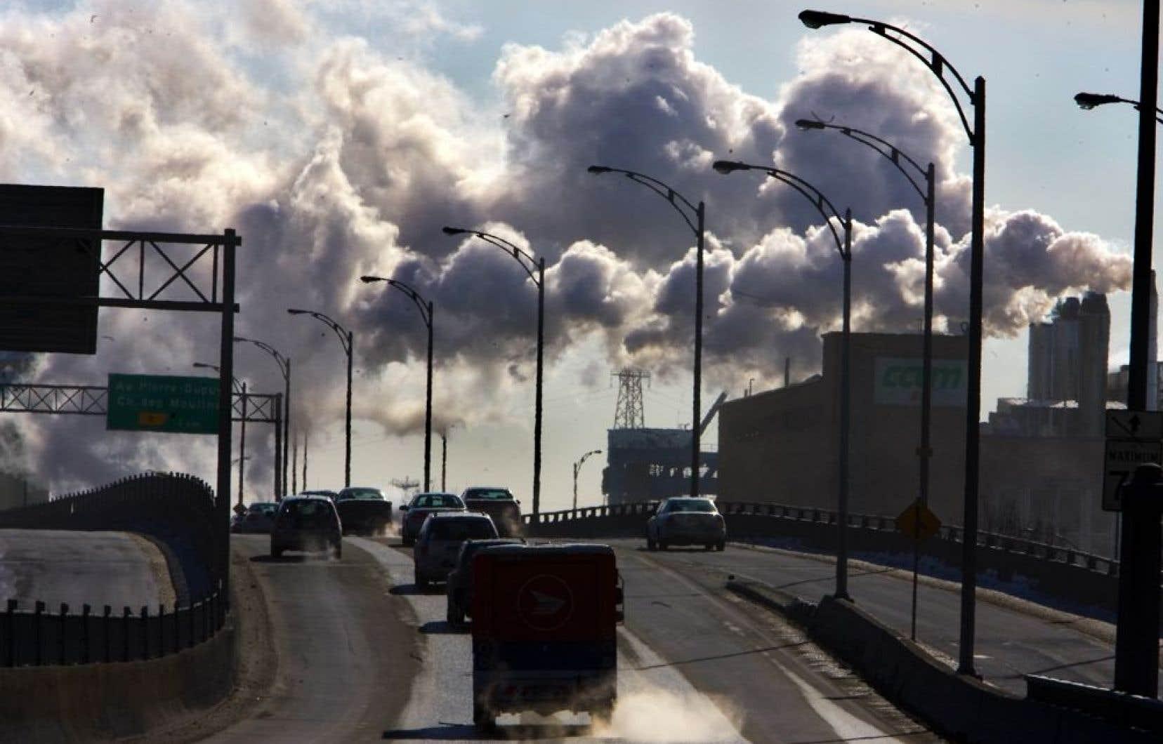 Les prévisions des scientifiques indiquent que la concentration de CO2 devrait atteindre 450 ppm d'ici quelques décennies. Si les émissions de dioxyde de carbone dans l'atmosphère ne cessent d'augmenter et si la tendance se poursuit, la hausse du thermomètre devrait être de 3 à 5°C.