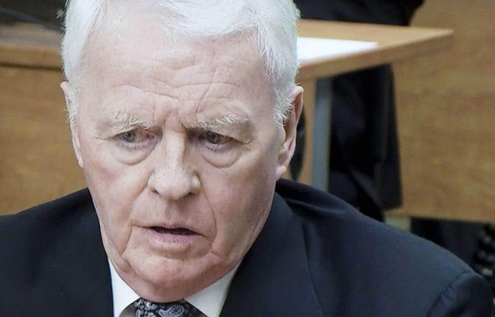 Gilles Cloutier est ressorti diminué de son contre-interrogatoire à la commission Charbonneau, ses versions contradictoires sur un pot-de-vin destiné à Guy Chevrette pesant sur sa crédibilité.