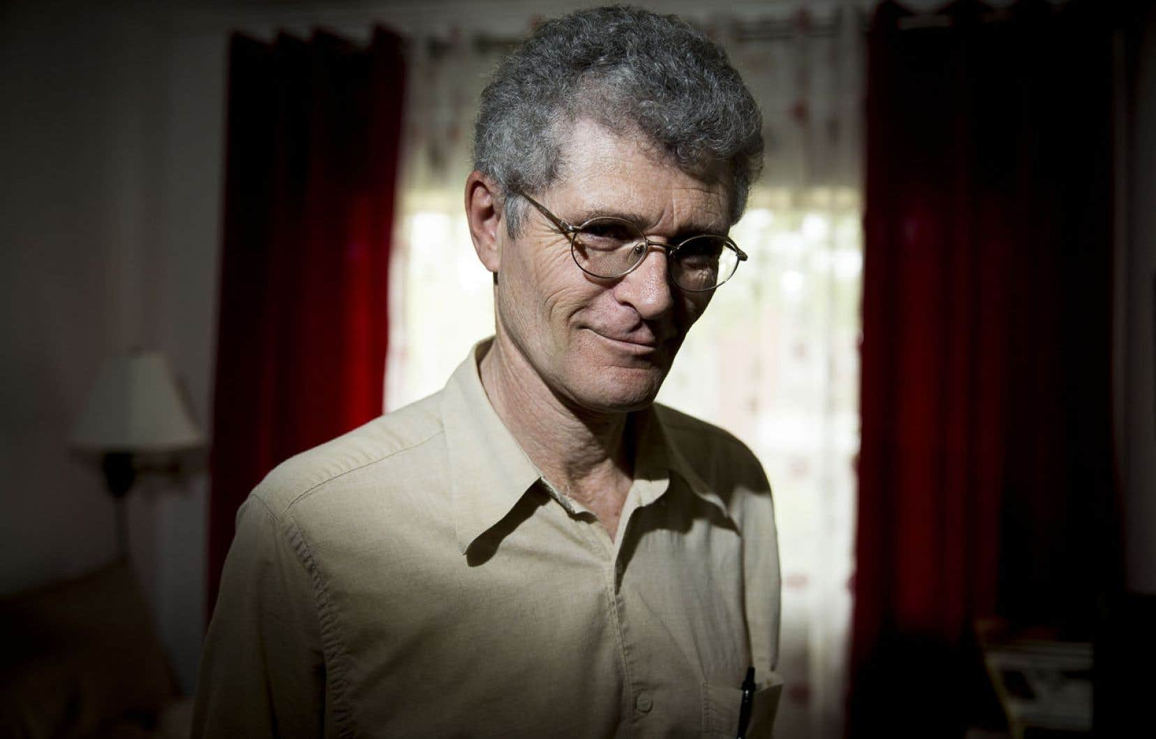 Alain Poissant a publié plusieurs livres dans les années 1980, et l'une de ses nouvelles a été couronnée par le prix littéraire de Radio-Canada.