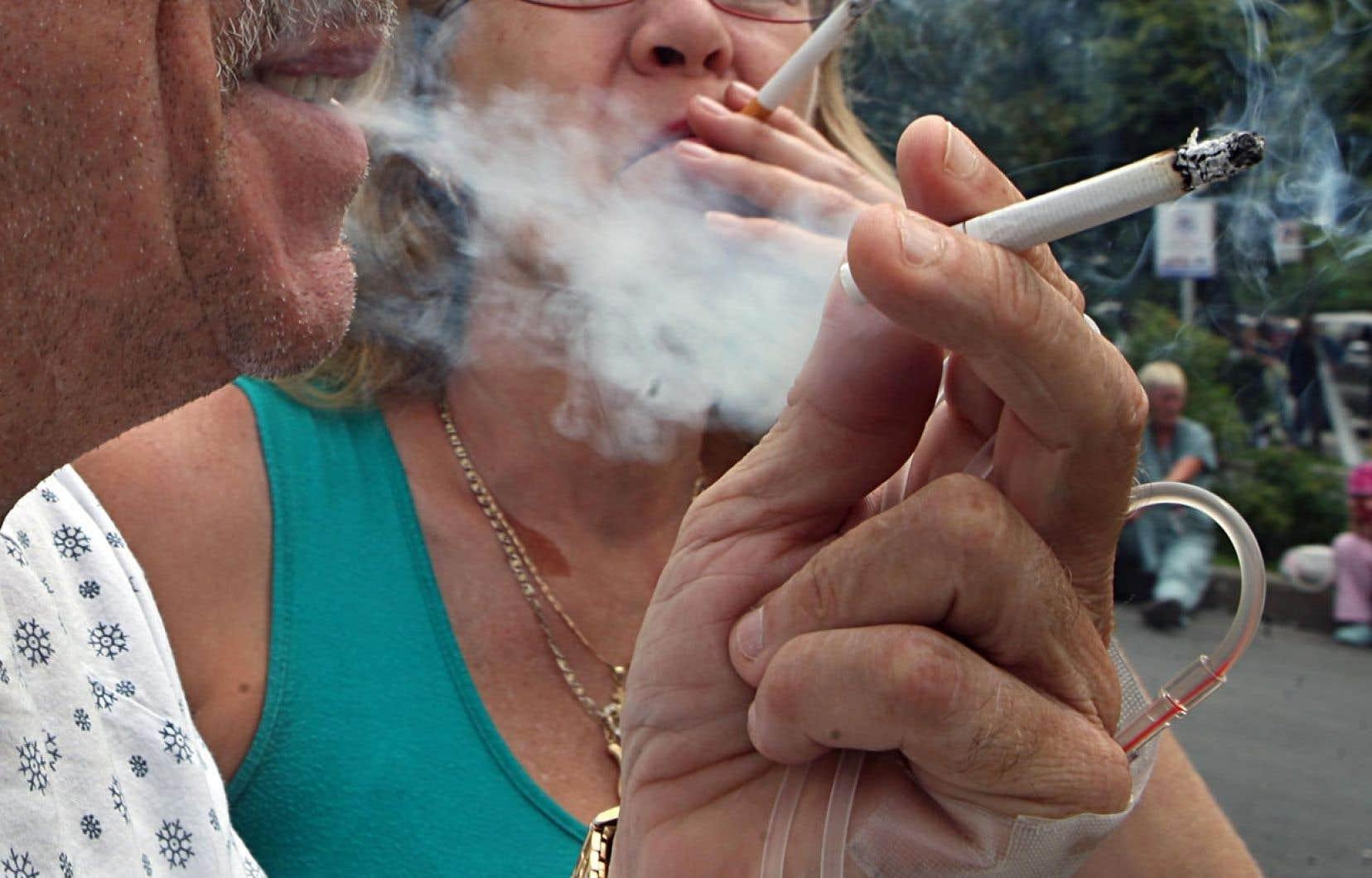 « Pendant que l'industrie a trouvé comment contourner notre loi devenue désuète, les taux de tabagisme ont cessé de baisser », déplore la Dre Mylène Drouin, responsable de la priorité-tabac au Directeur de santé publique de Montréal (DSP).