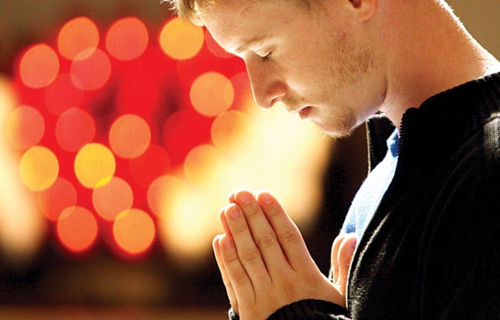 Mais qu'elle soit confessionnelle ou multiconfessionnelle, théiste ou simplement déiste ne change rien à sa nature : la prière demeure une pratique religieuse.
