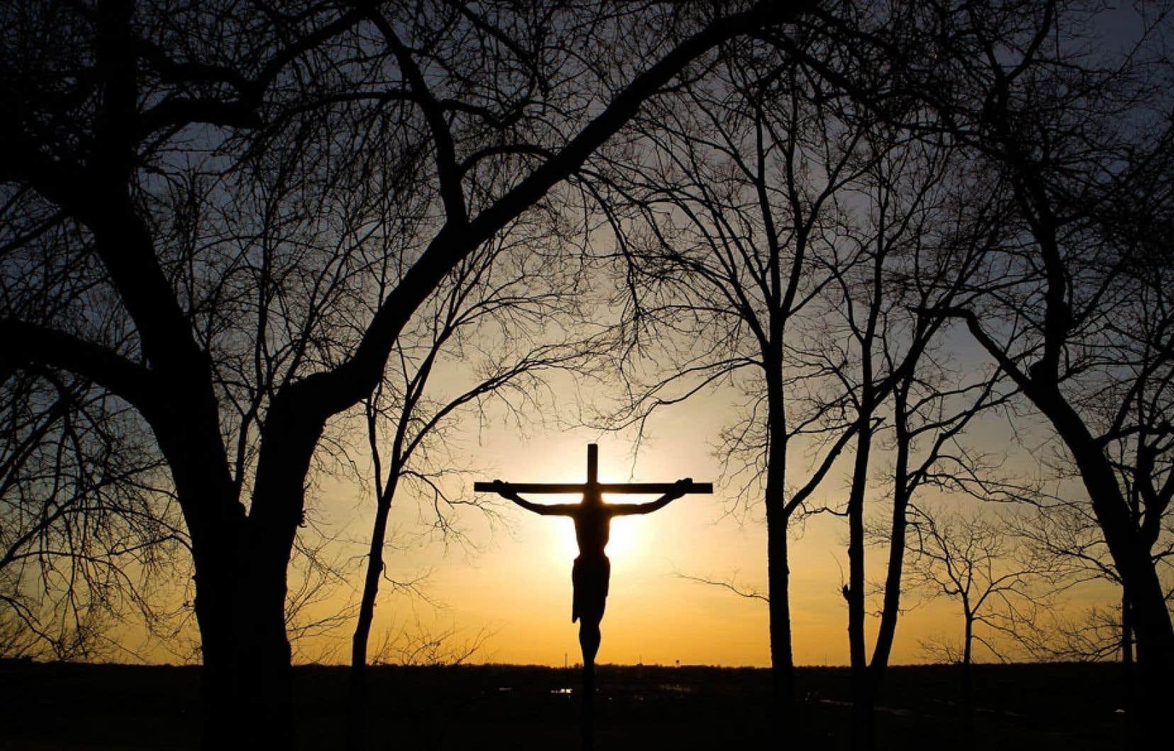 Les raisons ayant motivé la décision du juge Gagnon se fondent non pas tant sur une extension abusive du concept patrimonial, mais essentiellement sur la conception d'une laïcité ouverte à toutes les religions, catholicisme inclus.