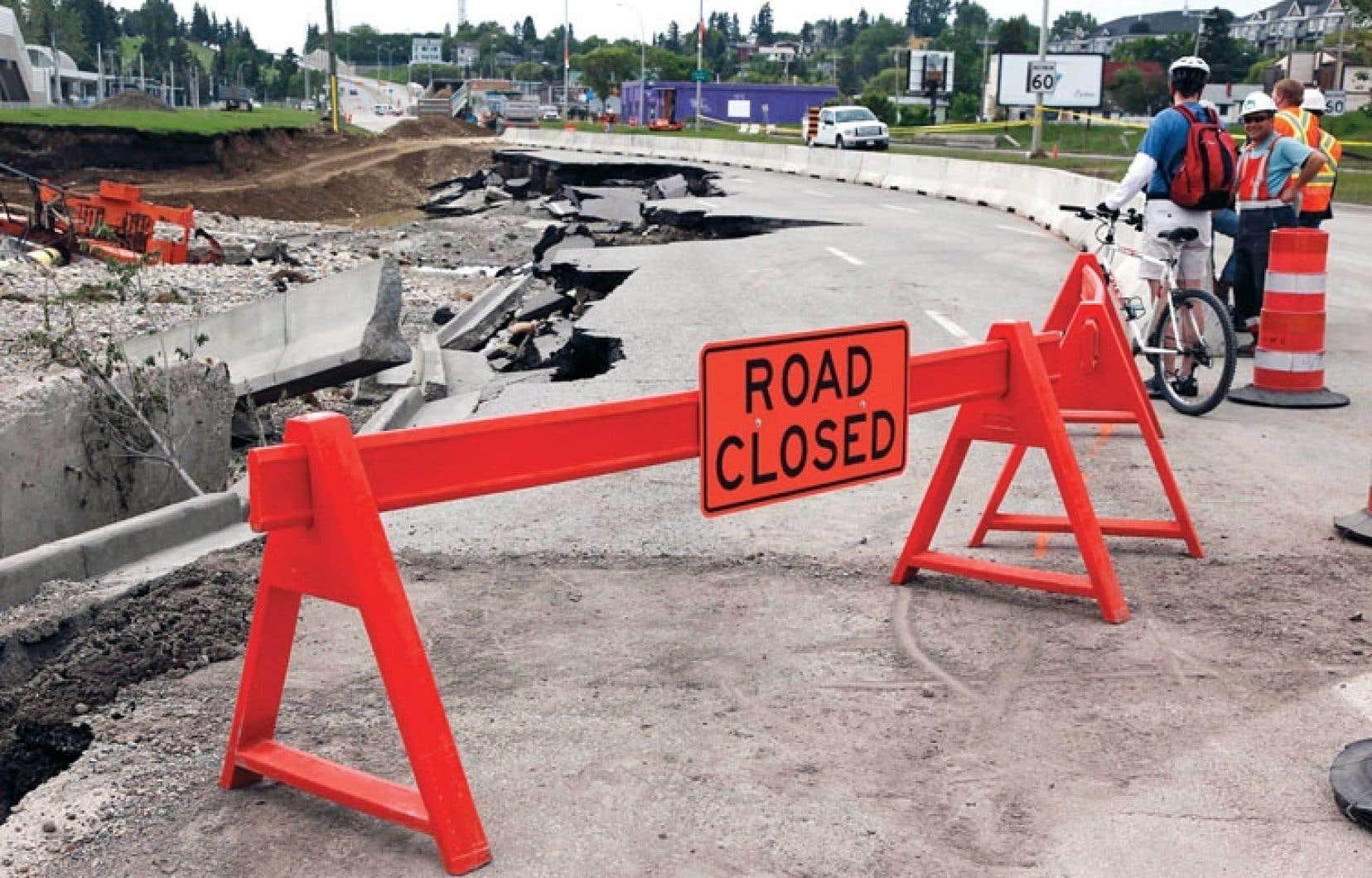 L'heure est au nettoyage et aux travaux de réfection à Calgary après les inondations historiques des derniers jours.
