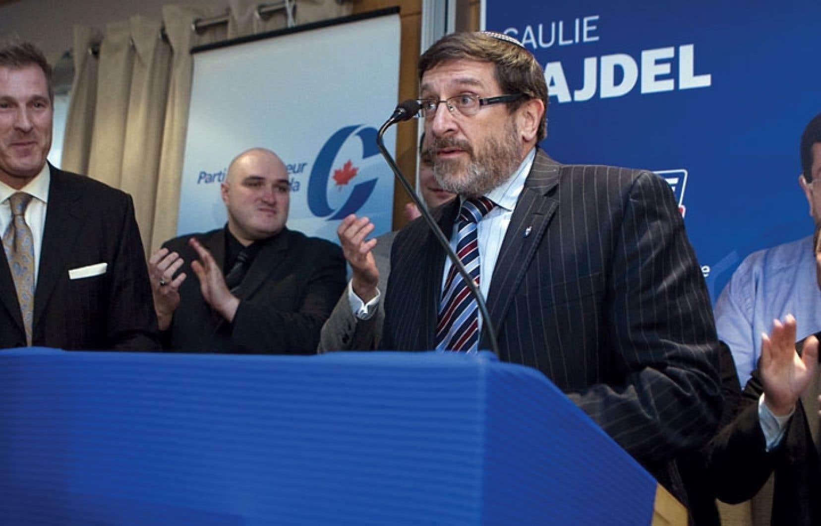 Le candidat conservateur Saulie Zajdel a reçu l'appui de Maxime Bernier, en avril 2011, dans la circonscription de Mont-Royal.