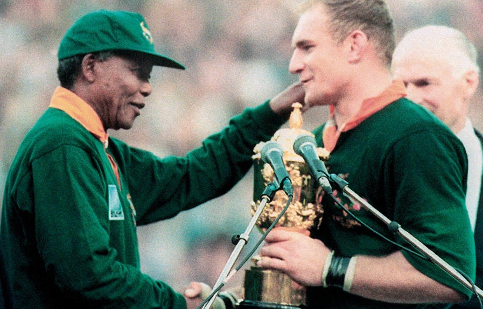 Le Sport Pour Faire Oublier L Apartheid Le Devoir
