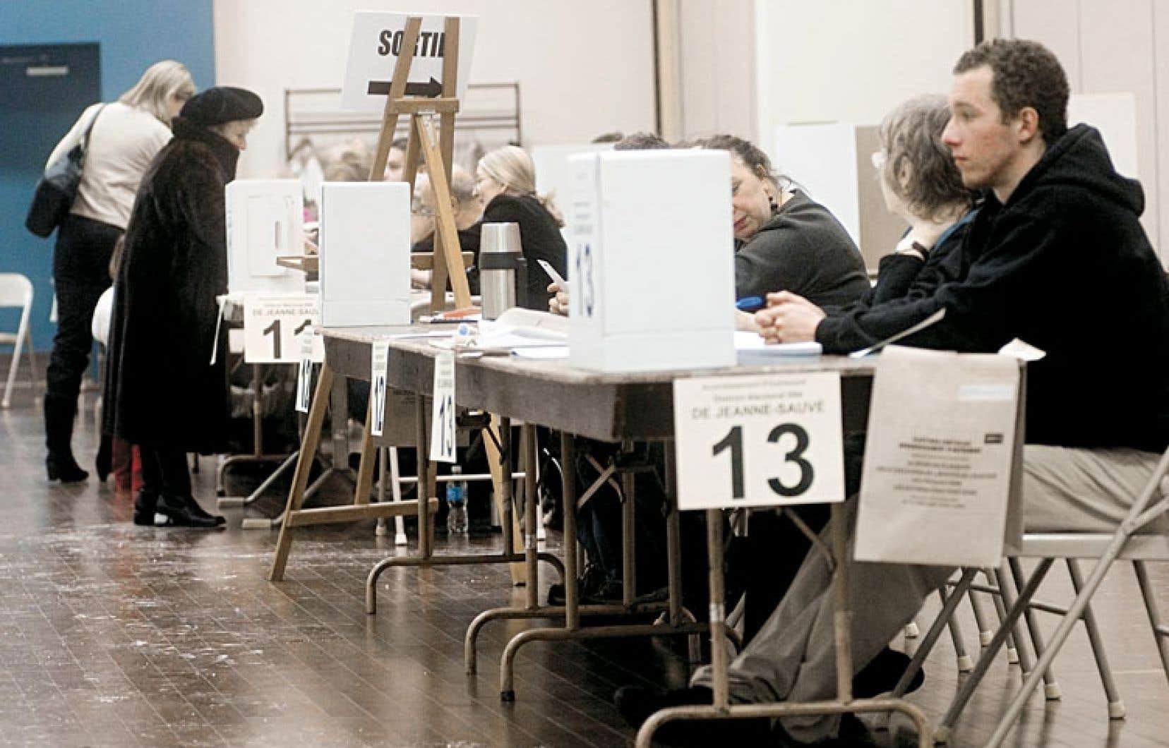 C'est l'État québécois, aveuglé par son obsession de centralisation, qui a tué la participation des citoyens à leur démocratie locale, écrit Roméo Bouchard.