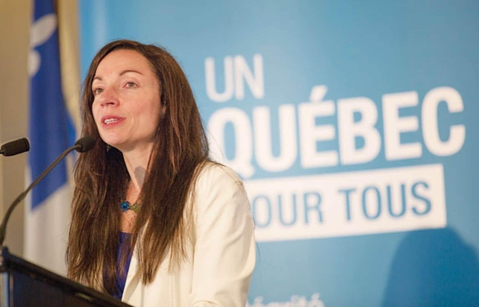 Martine Ouellet a dévoilé jeudi le document de consultation qui servira de base à la Commission sur les enjeux énergétiques du Québec, qui se tiendra à l'automne.