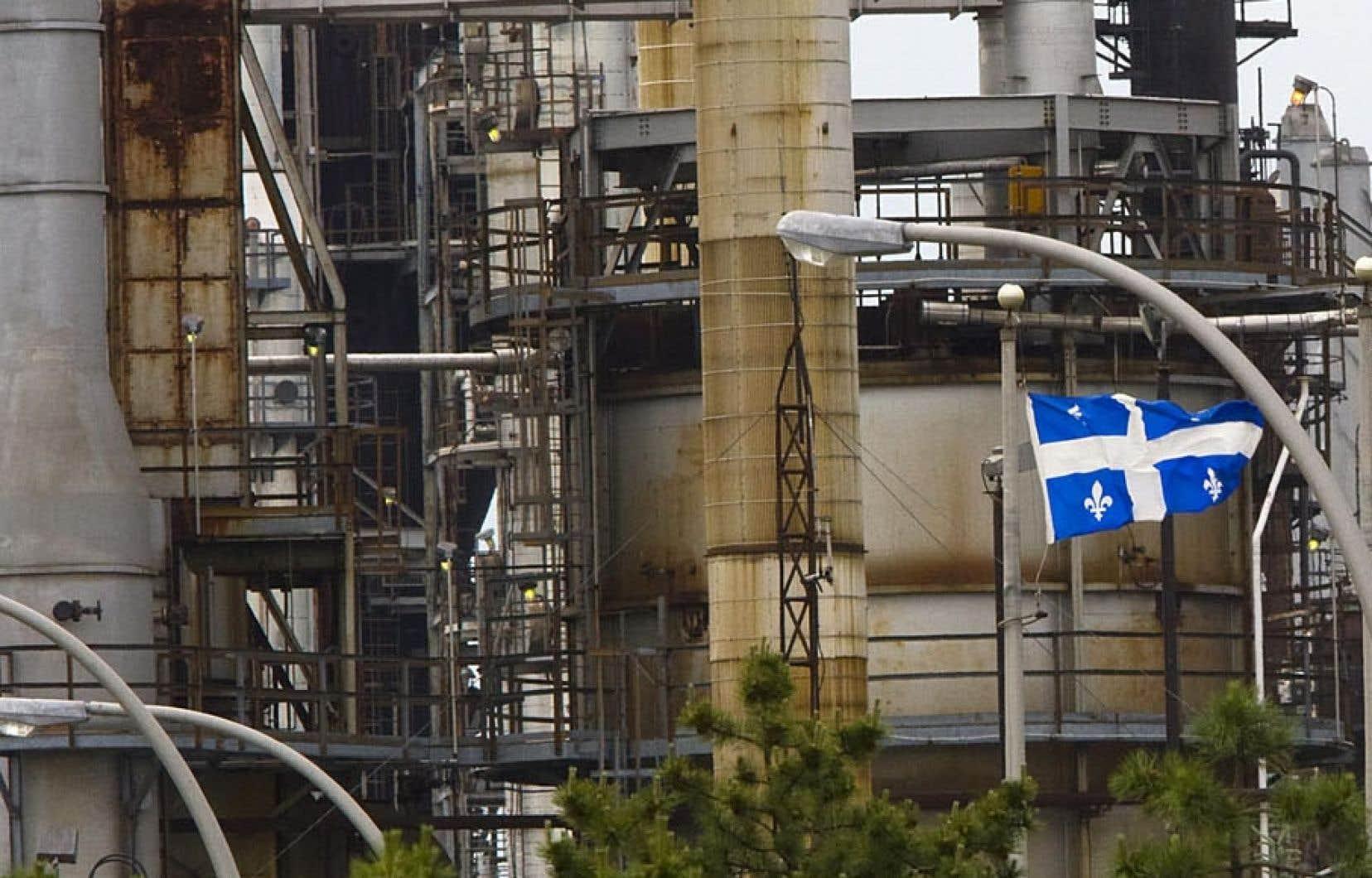 Suncor, qui exploite une raffinerie à Pointe-aux-Trembles, et Ultramar, qui en possède une à Lévis, ont affirmé cet hiver que le prix relativement abordable du pétrole canadien était une excellente raison de commencer à en acheminer par voie ferroviaire.