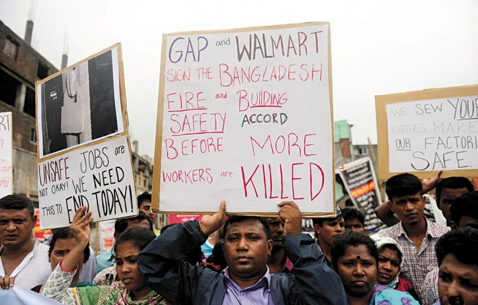 Les Bangladais avaient manifesté vigoureusement leur désir de voir les entreprises américaines signer un accord de responsabilité pour la sécurité des travailleurs.