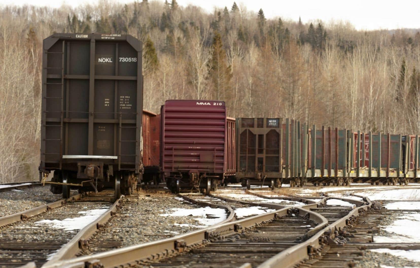 Une jonction de chemin de fer appartenant à la Montreal, Maine and Atlantic, dans l'état du Maine.
