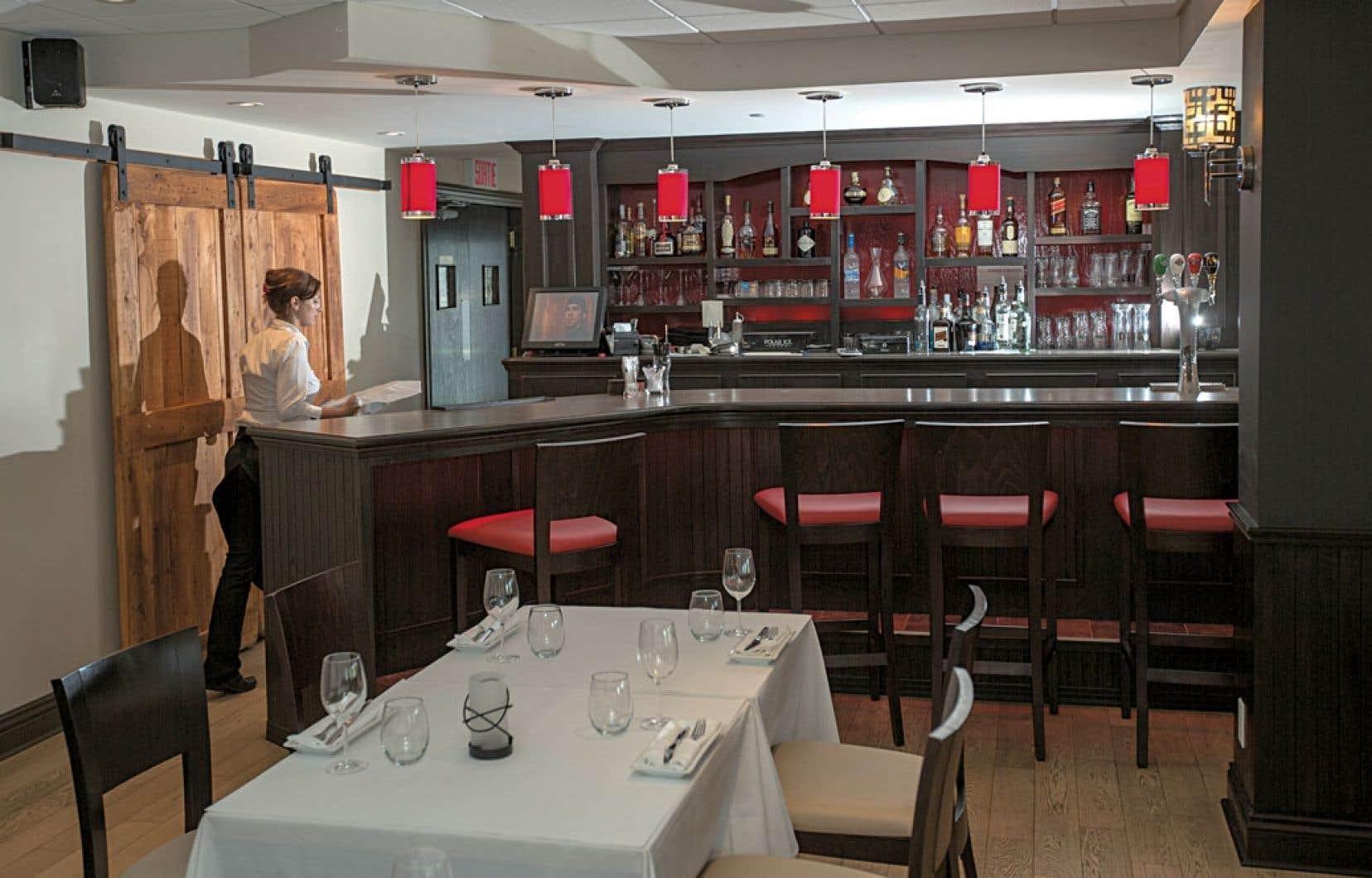 Le restaurant permet tant la convivialité que le tête à tête amoureux ou les réunions d'affaires et familiales.