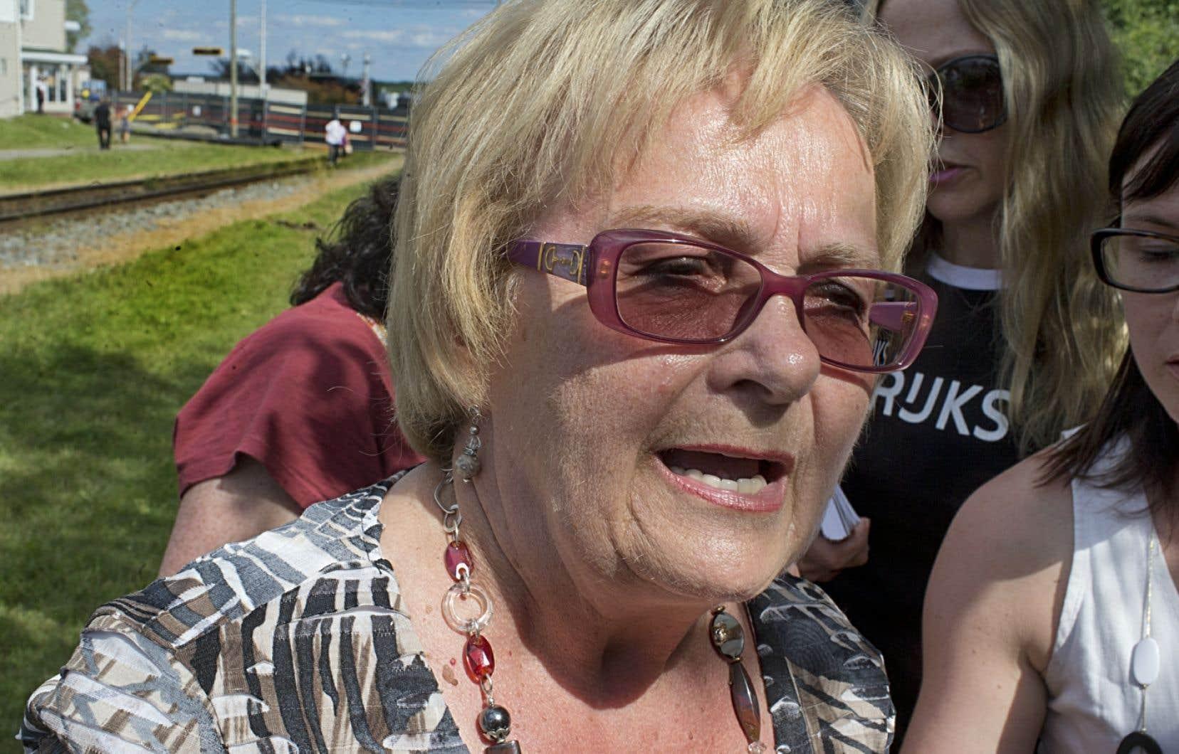 Questionnée sur l'impact du remaniement ministériel sur le travail en cours à Lac-Mégantic, la mairesse Colette Roy-Laroche a simplement répondu que Christian Paradis a toute sa confiance.