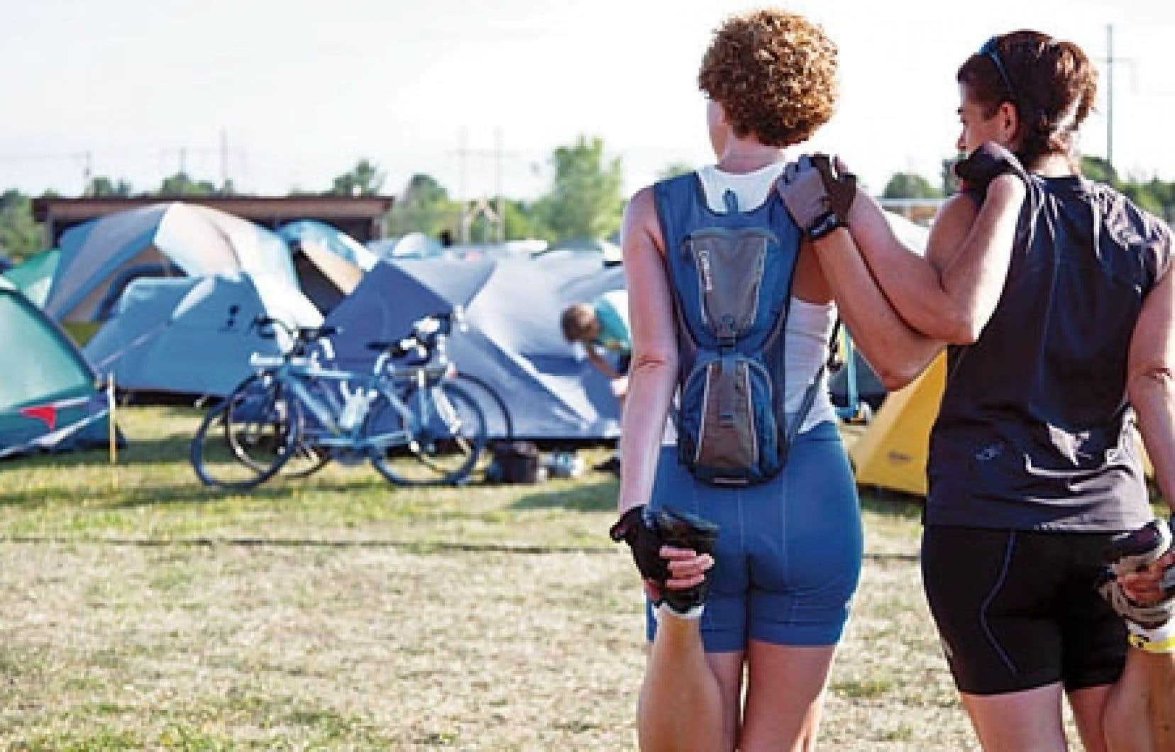 Environ 6000 cyclistes participent au Grand Tour chaque année.