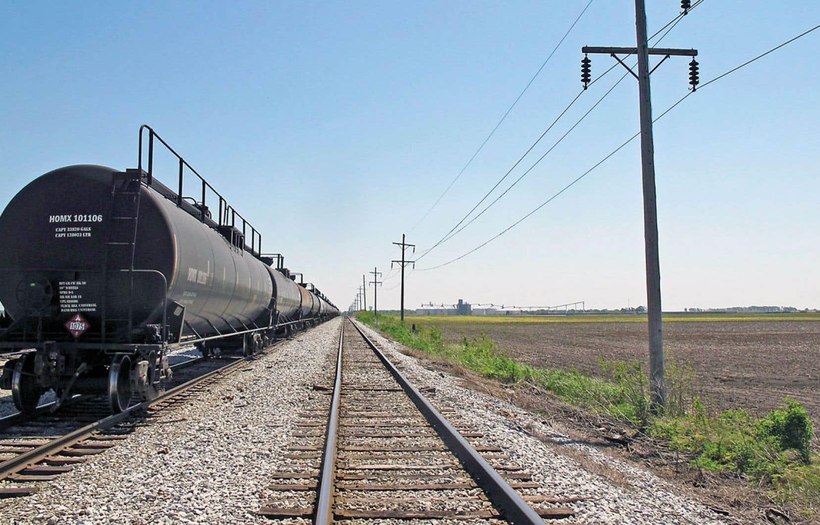 On compte 310 000 wagons-citernes en Amérique du Nord. Au Canada et aux États-Unis, les autorités responsables du transport ont refusé d'appliquer la recommandation du Bureau américain visant à renforcer l'armature des vieux wagons à laquelle l'industrie s'opposait.
