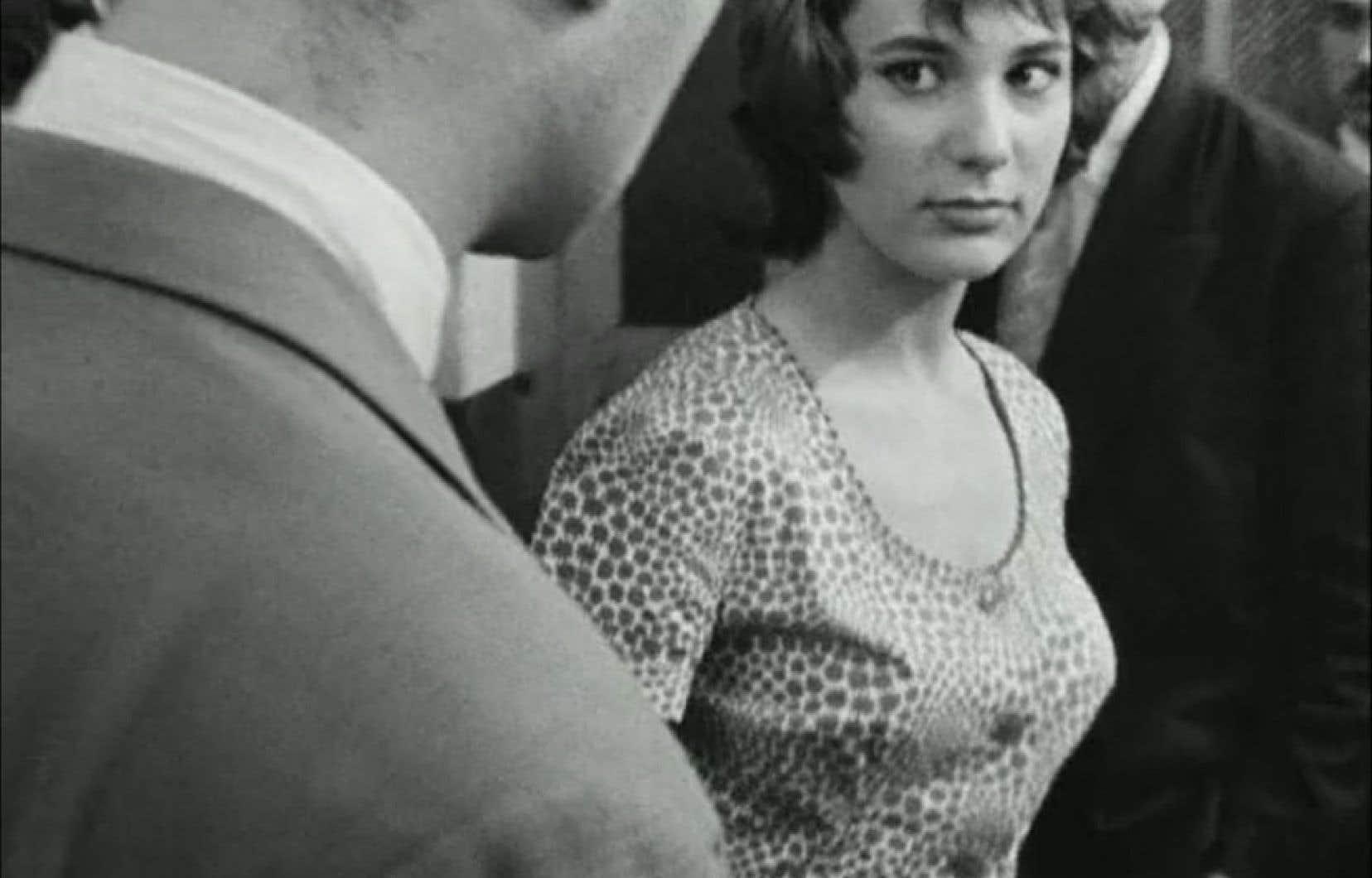 En 1958, Bernadette Lafont a captivé les cinéphiles dans Le beau Serge, le premier long métrage de Claude Chabrol. Cette image est tirée de la bande-annonce originale du film, qui a lancé la Nouvelle Vague.