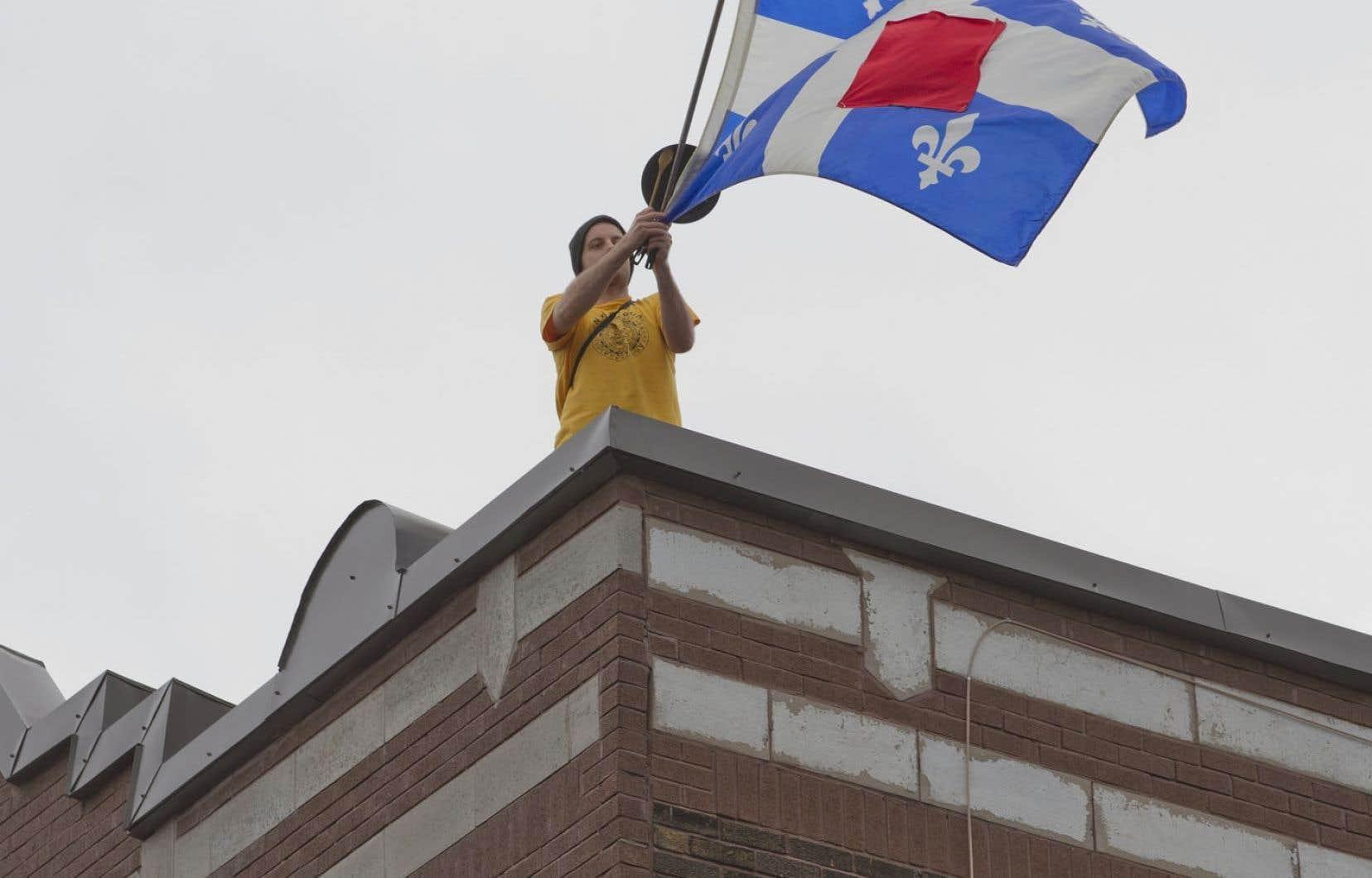 Le conflit étudiant qui a agité le Québec au printemps 2012 sera examiné sous la loupe d'une commission dirigée par l'ex-ministre Serge Ménard.