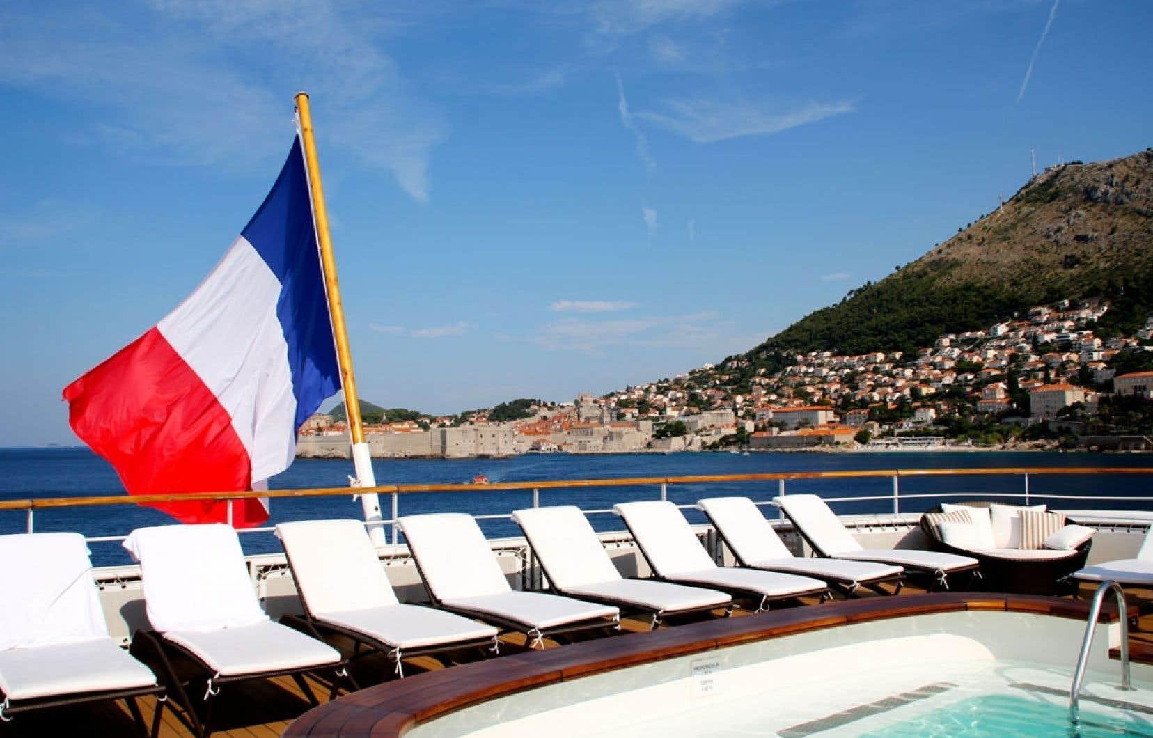 L'Austral mouillant à Dubrovnik, en Croatie.
