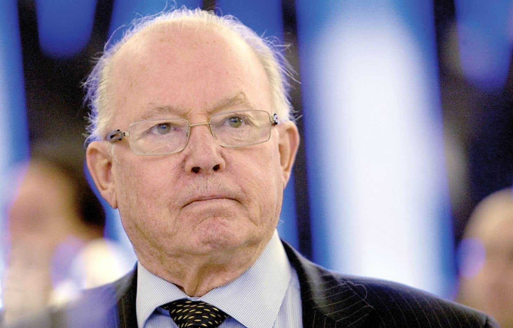 L'ex-premier ministre Bernard Landry attend de voir les propositions concrètes du gouvernement Marois avant de tirer des conclusions définitives de la Charte des valeurs.