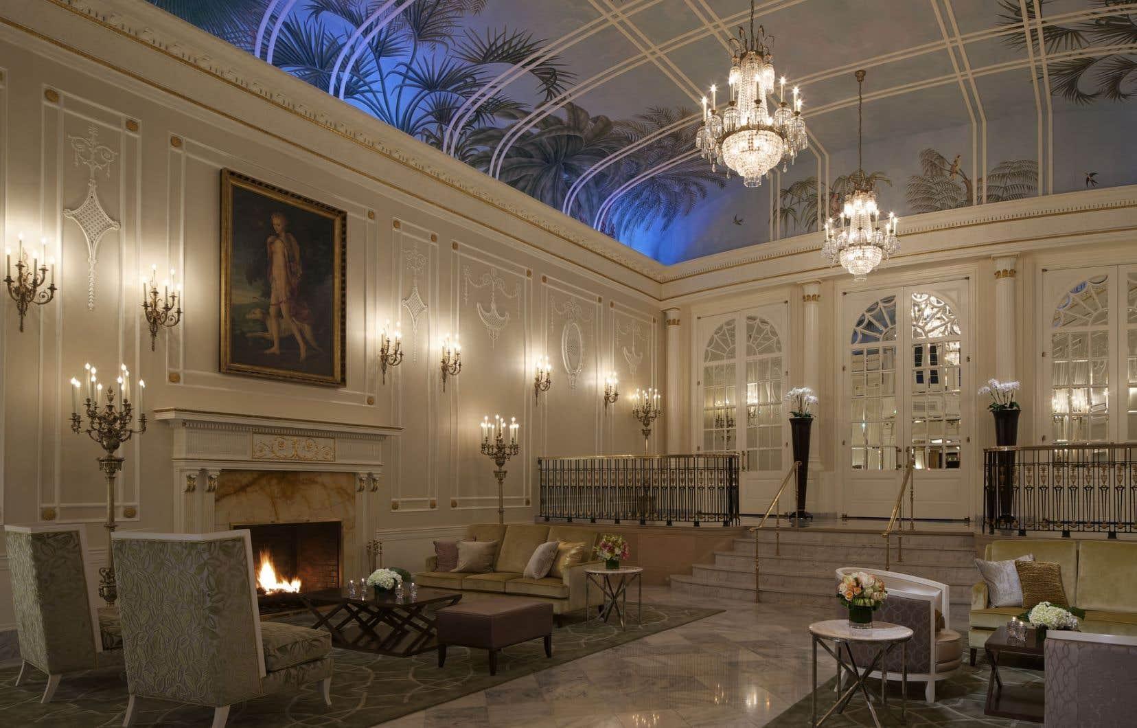 Comme d'autres parties de l'hôtel Ritz-Carlton Montréal, la cour des palmiers a été conservée et restaurée.