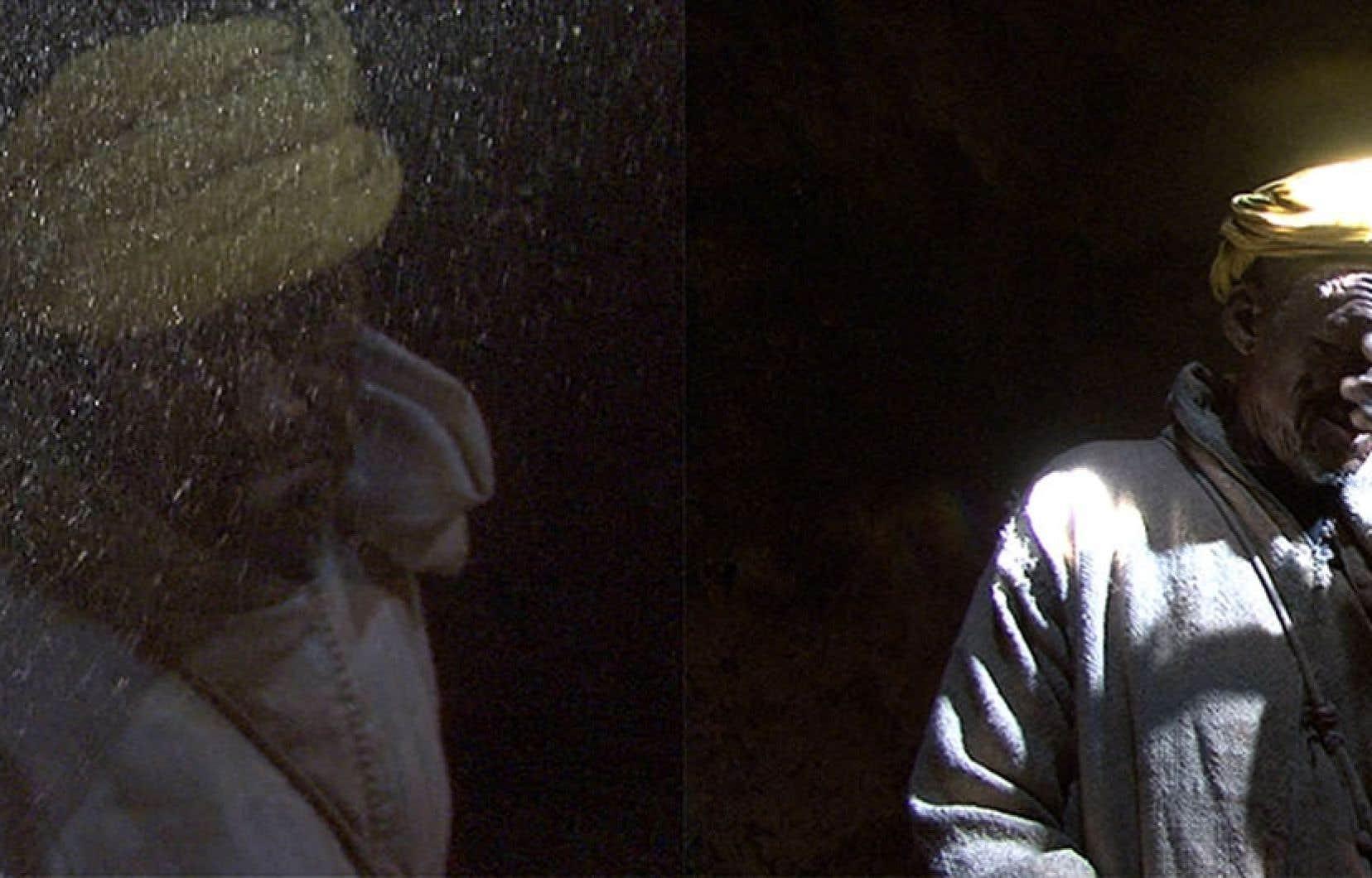 Sylvia Safdie, The Guardian, 2009, vidéo couleur, son, 3 min 26 sec. Image tirée de la vidéo.