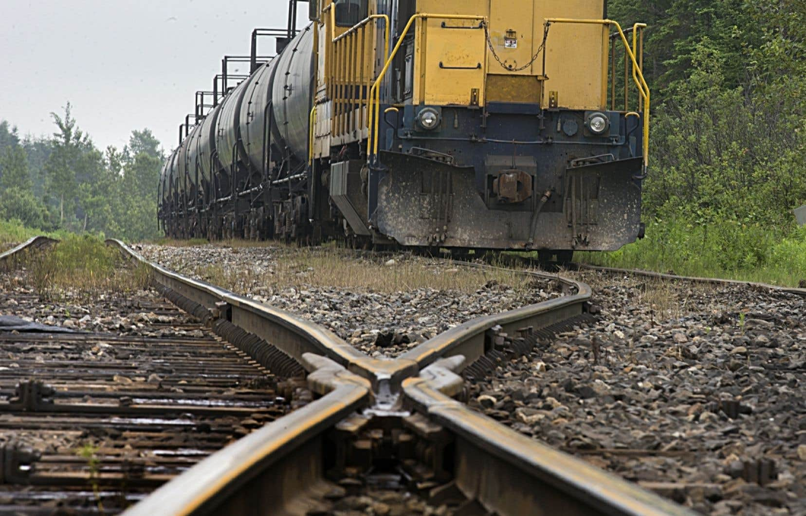Les responsables municipaux du pays demandent au gouvernement fédéral de fournir à l'avance plus d'information à propos de la nature des marchandises transportées par voie ferroviaire.